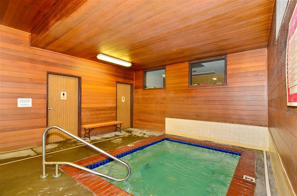 Americas Best Value Inn & Suites McCall image 19