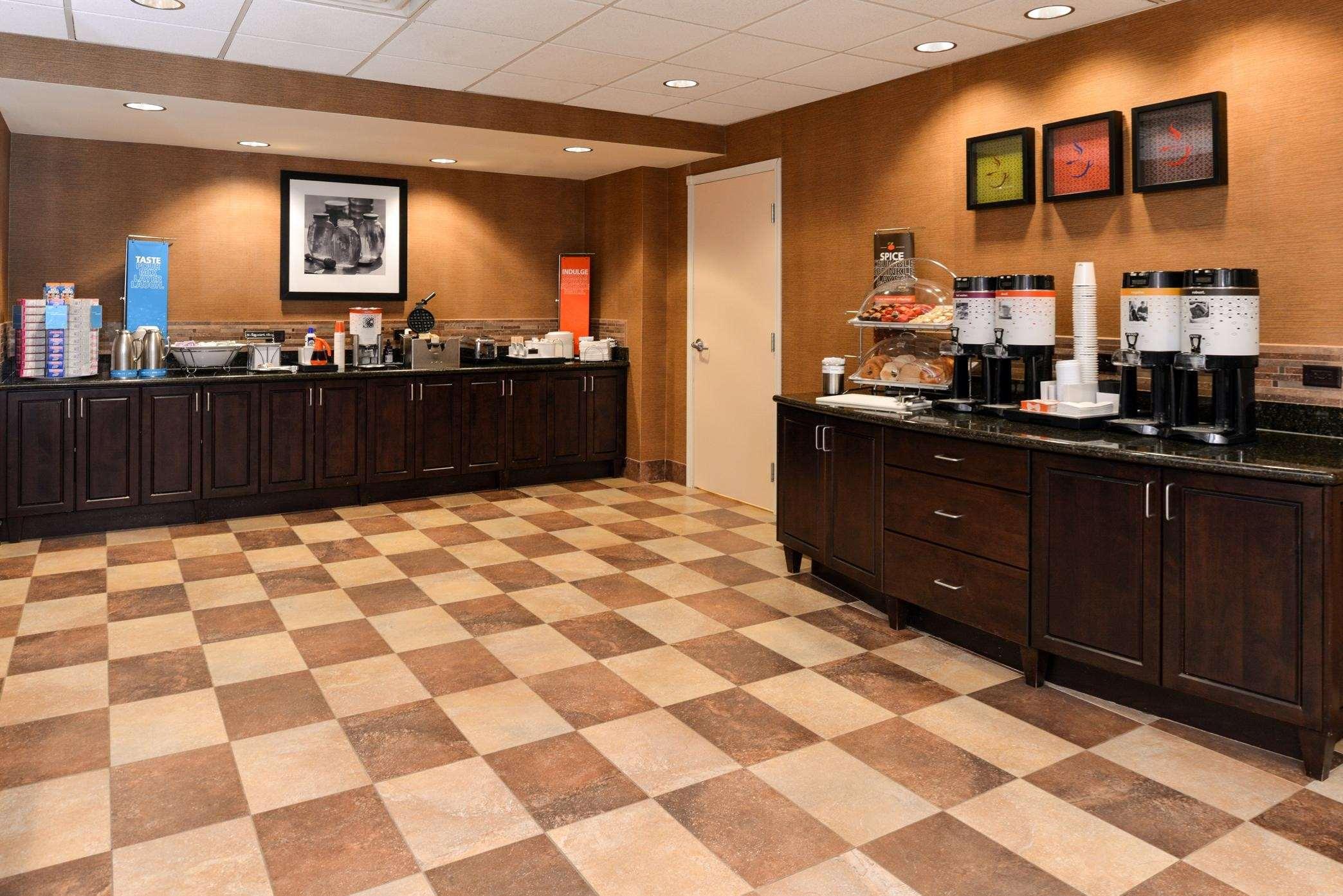 Hampton Inn & Suites Casper image 23