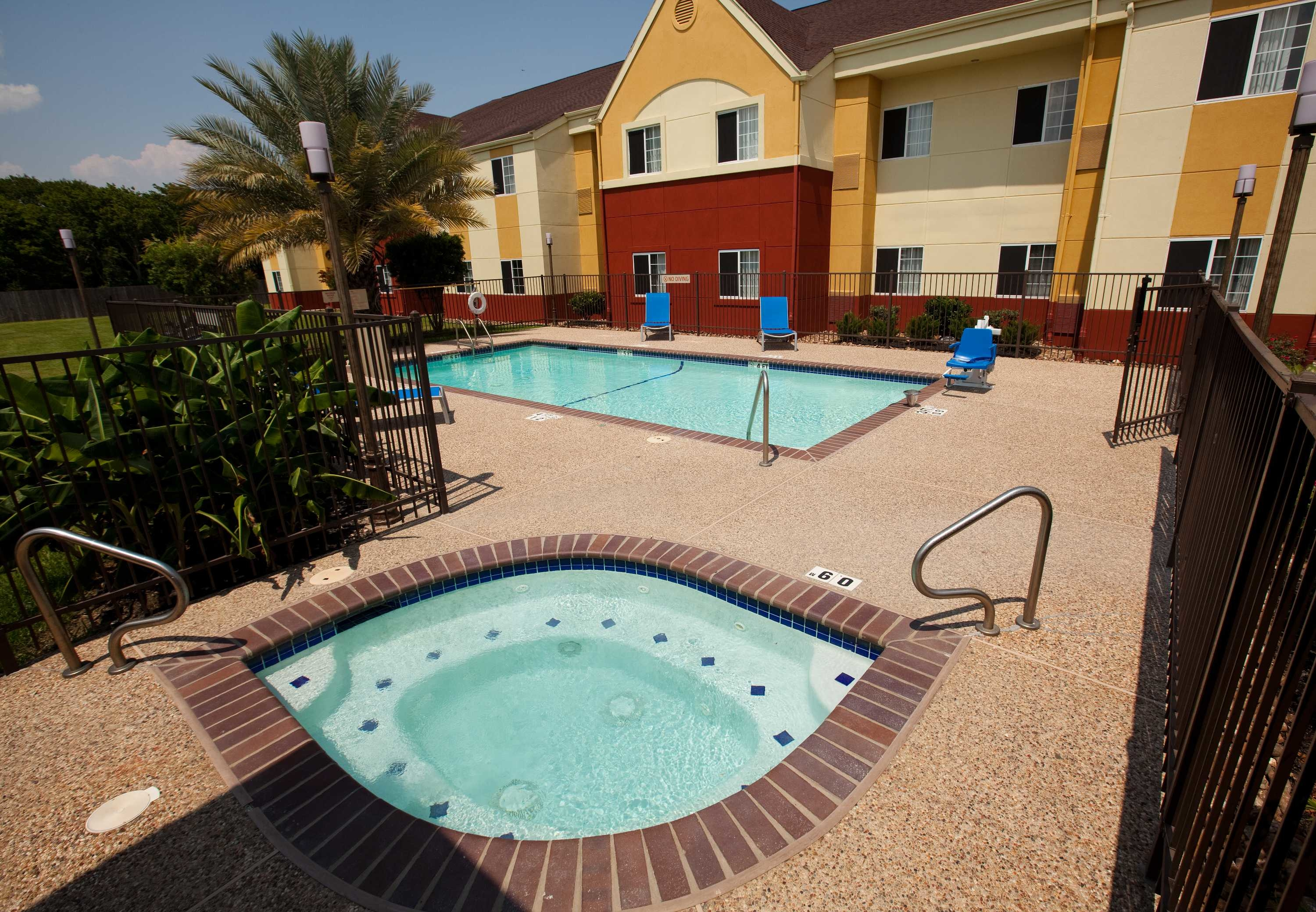 TownePlace Suites by Marriott Lake Jackson Clute image 3