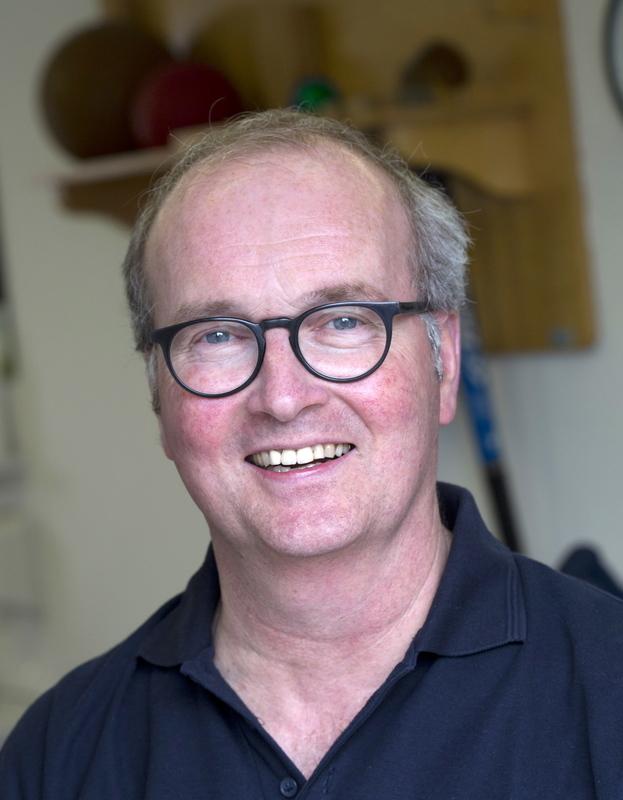 J L M van Hattum Acupunctuur