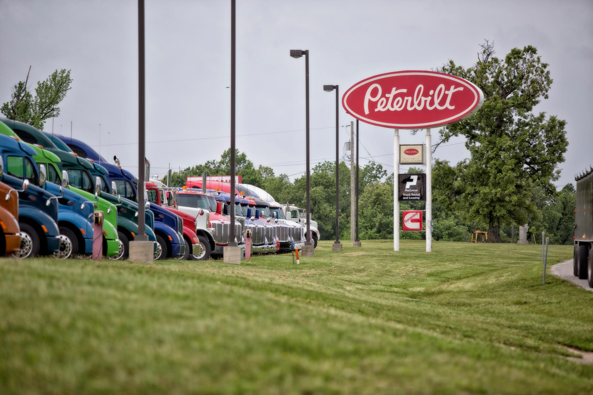 Peterbilt of Fort Smith image 0