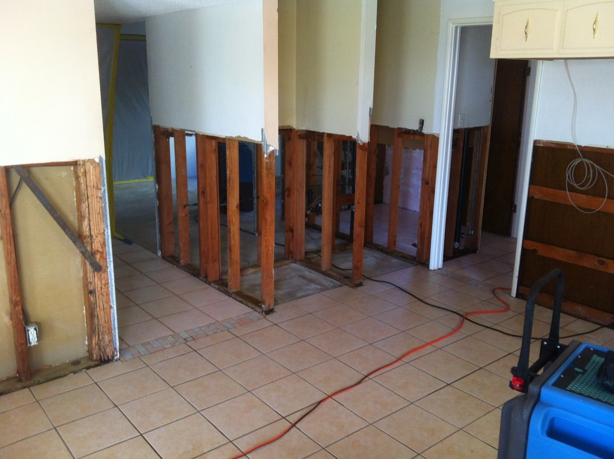 Water Damage Zone and Restoration Inc. image 16