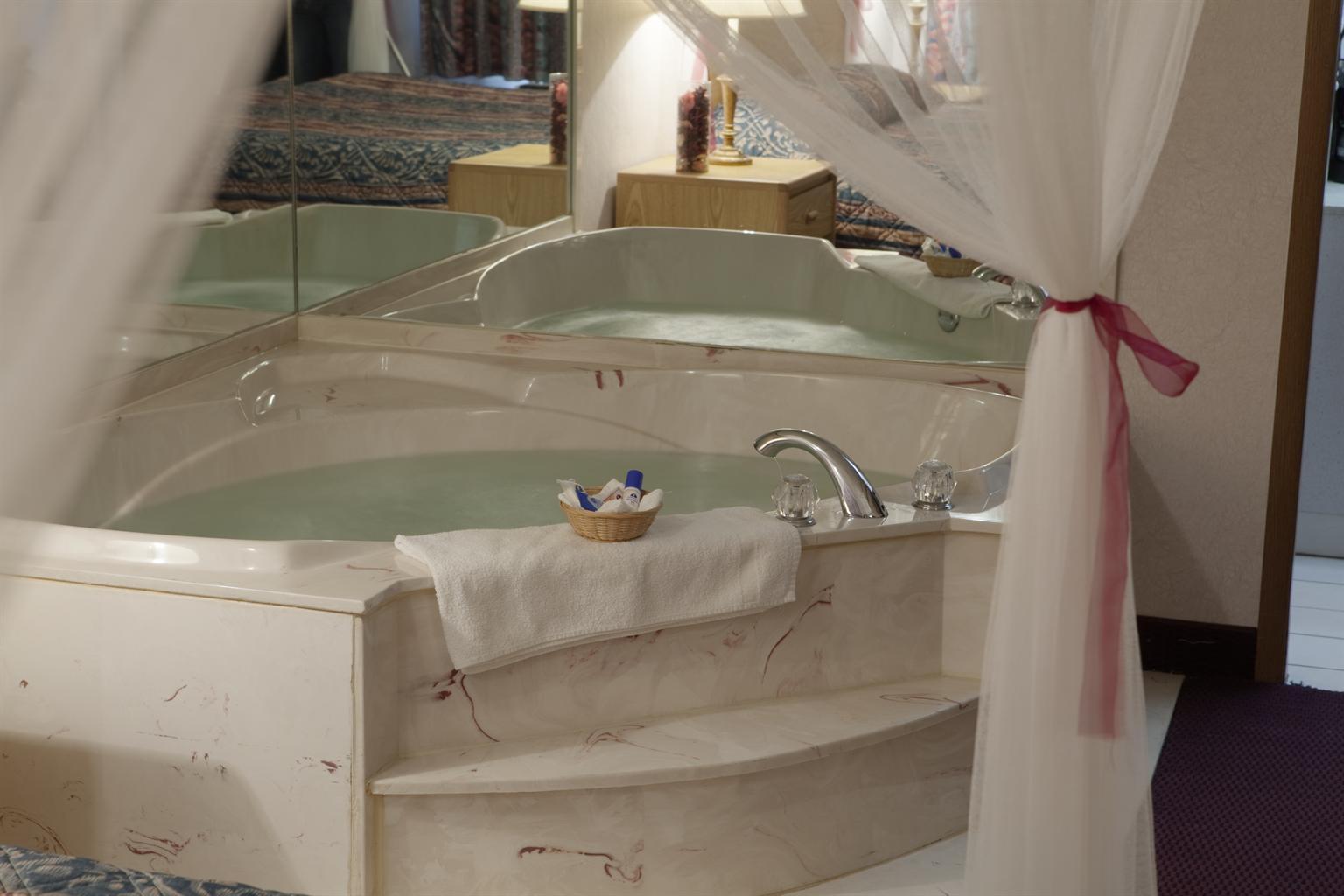 Americas Best Value Inn & Suites Monroe image 7