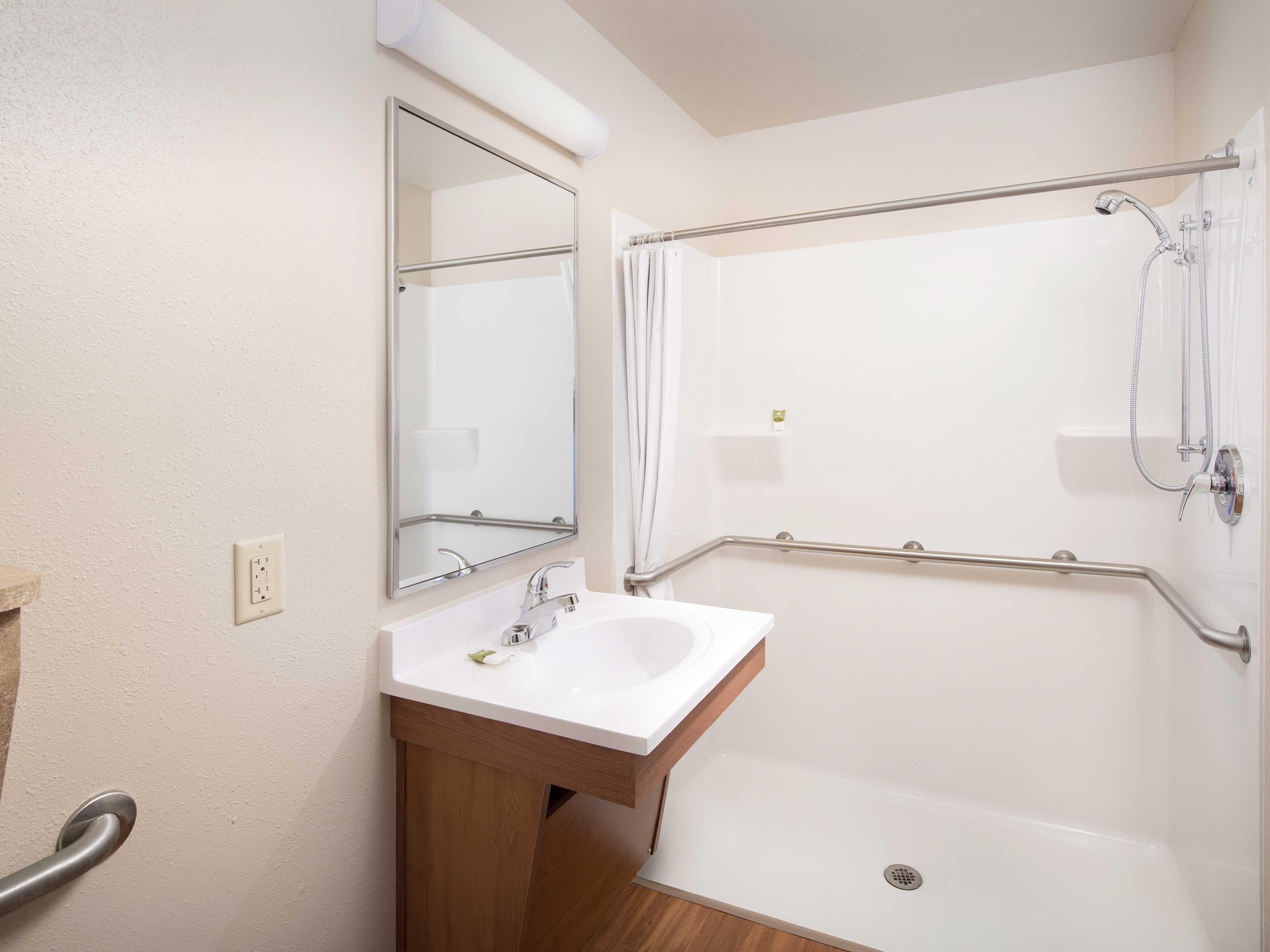 WoodSpring Suites Grand Rapids South image 22