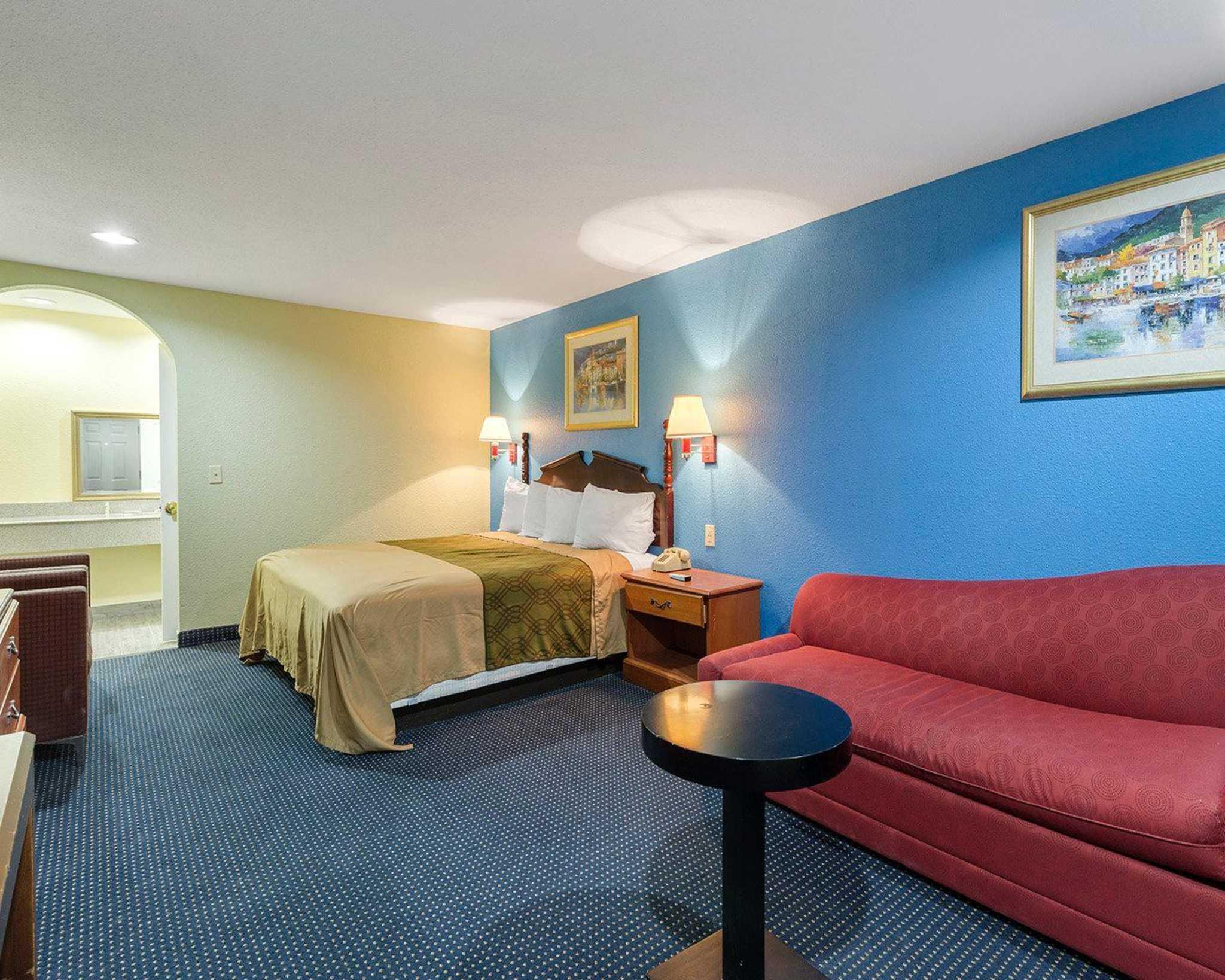 Rodeway Inn image 23