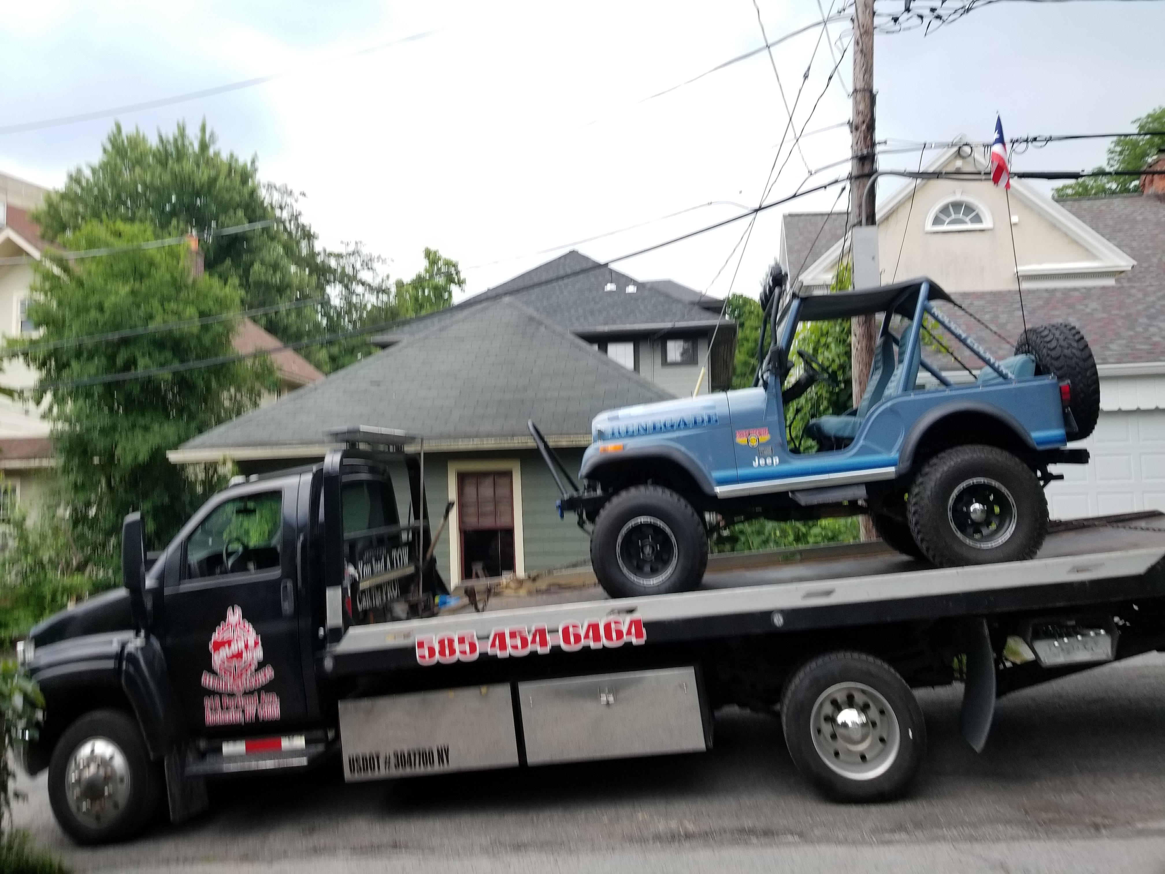 Colon's Auto Towing LLC image 1