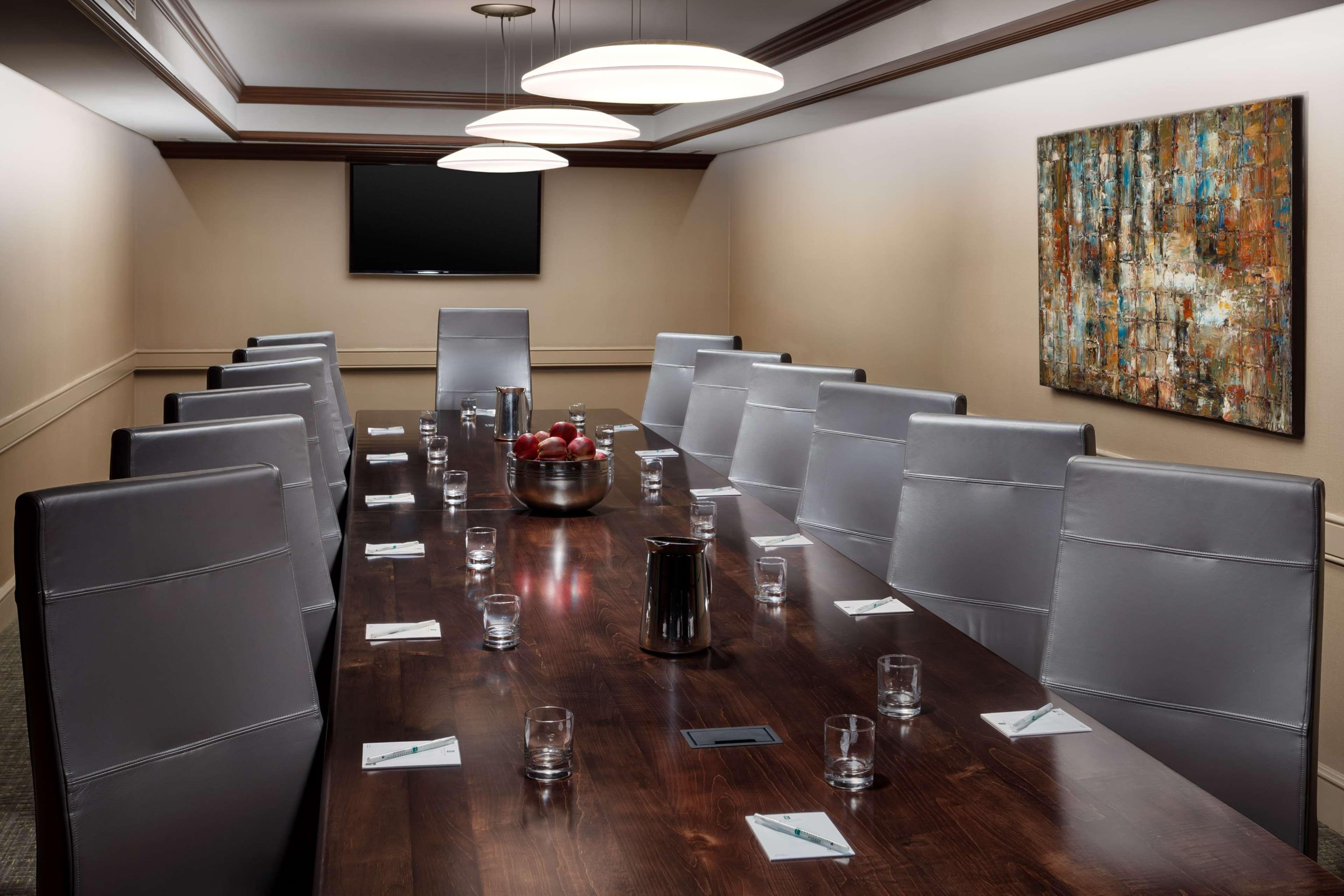 Embassy Suites by Hilton Orlando Lake Buena Vista Resort image 26