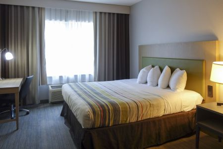 Country Inn & Suites by Radisson, Washington, D.C. East - Capitol Heights, MD image 4