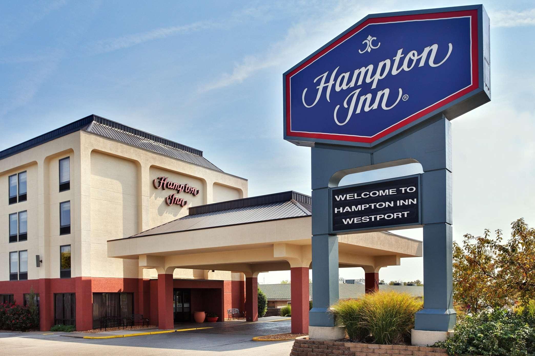 Hampton Inn St. Louis/Westport image 0