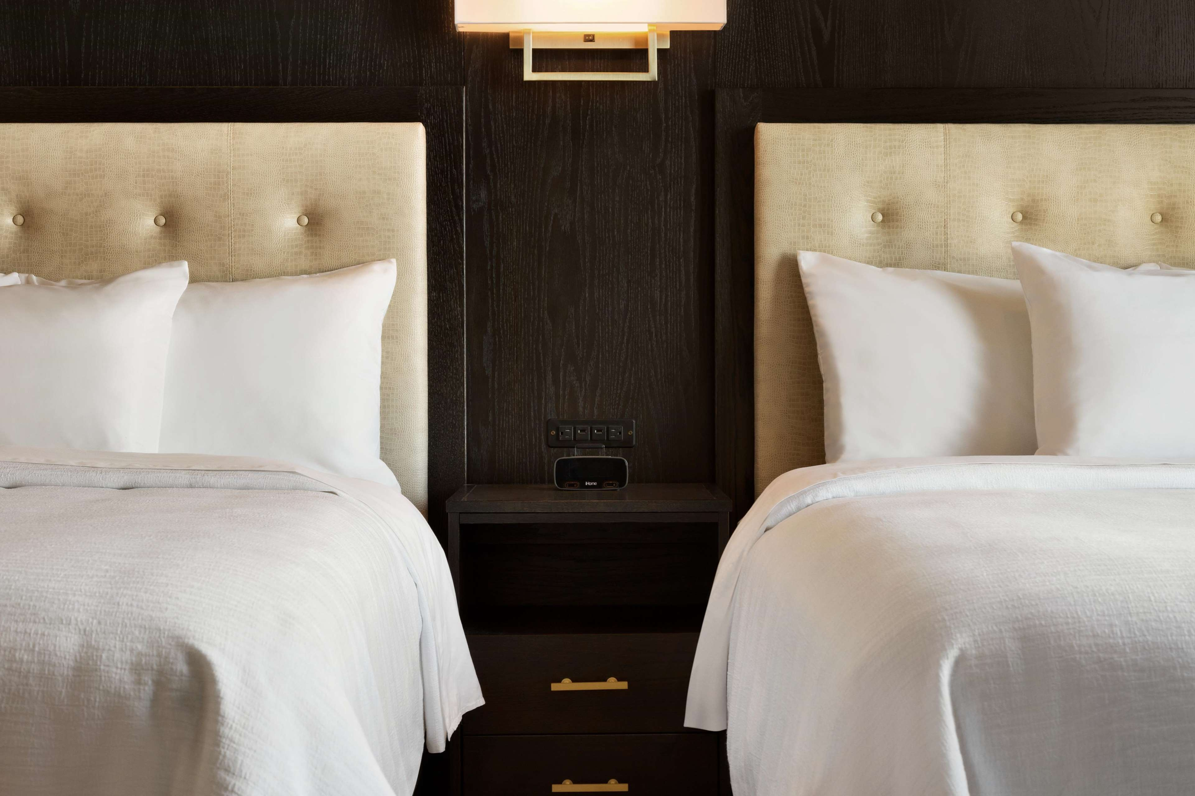 Embassy Suites by Hilton Syracuse Destiny USA image 1