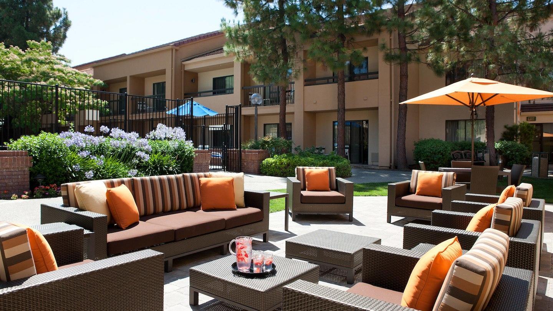 Courtyard by Marriott Pleasanton image 4