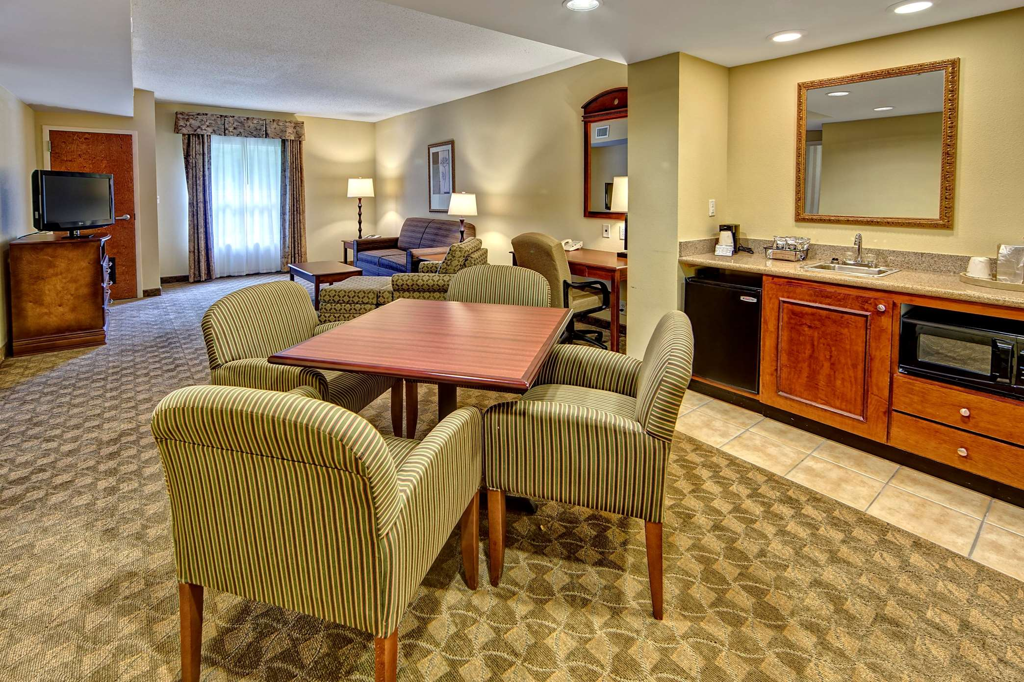 Hampton Inn & Suites Cashiers-Sapphire Valley image 26