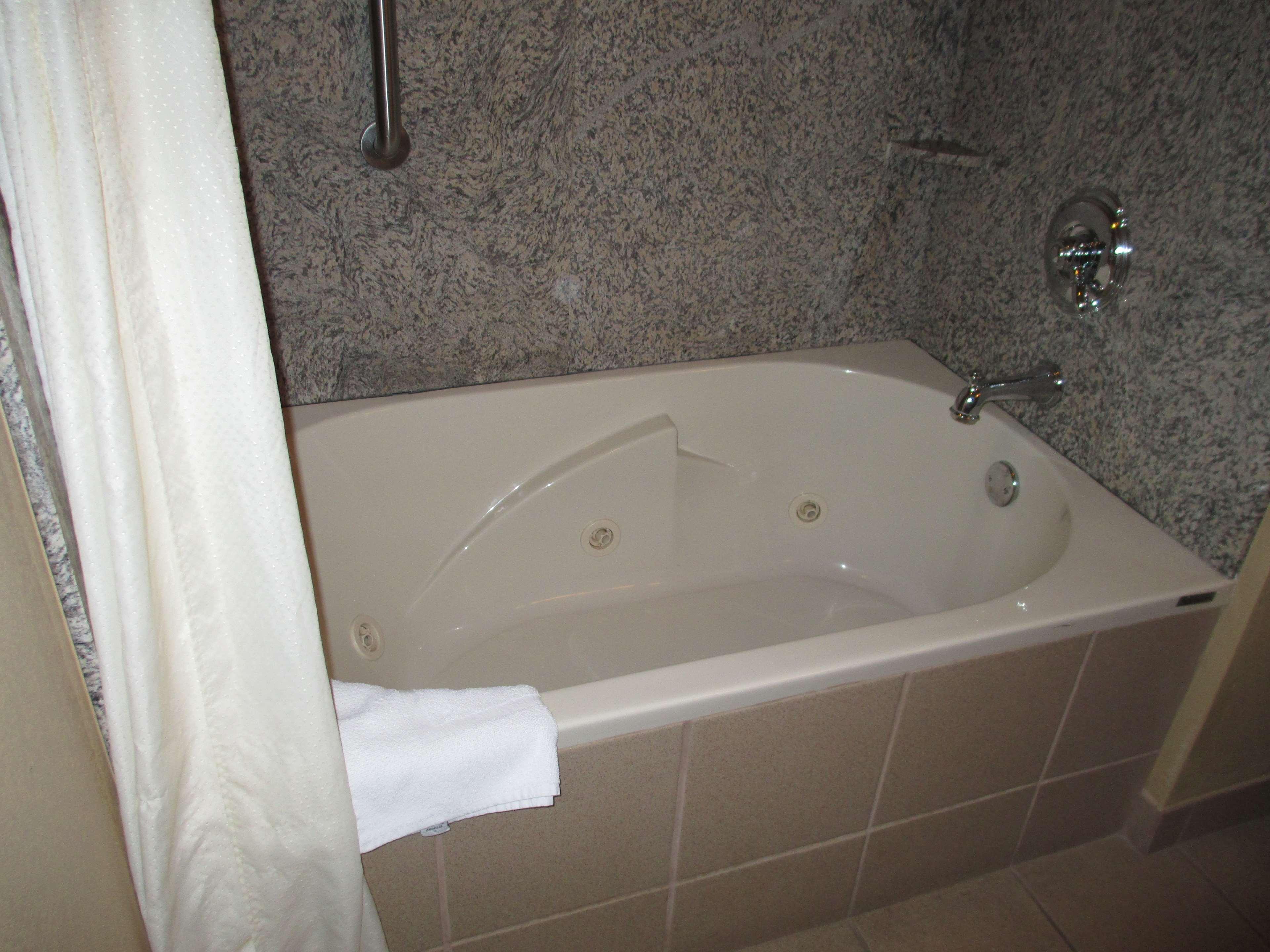 Best Western Plus Woodland Hills Hotel & Suites image 21