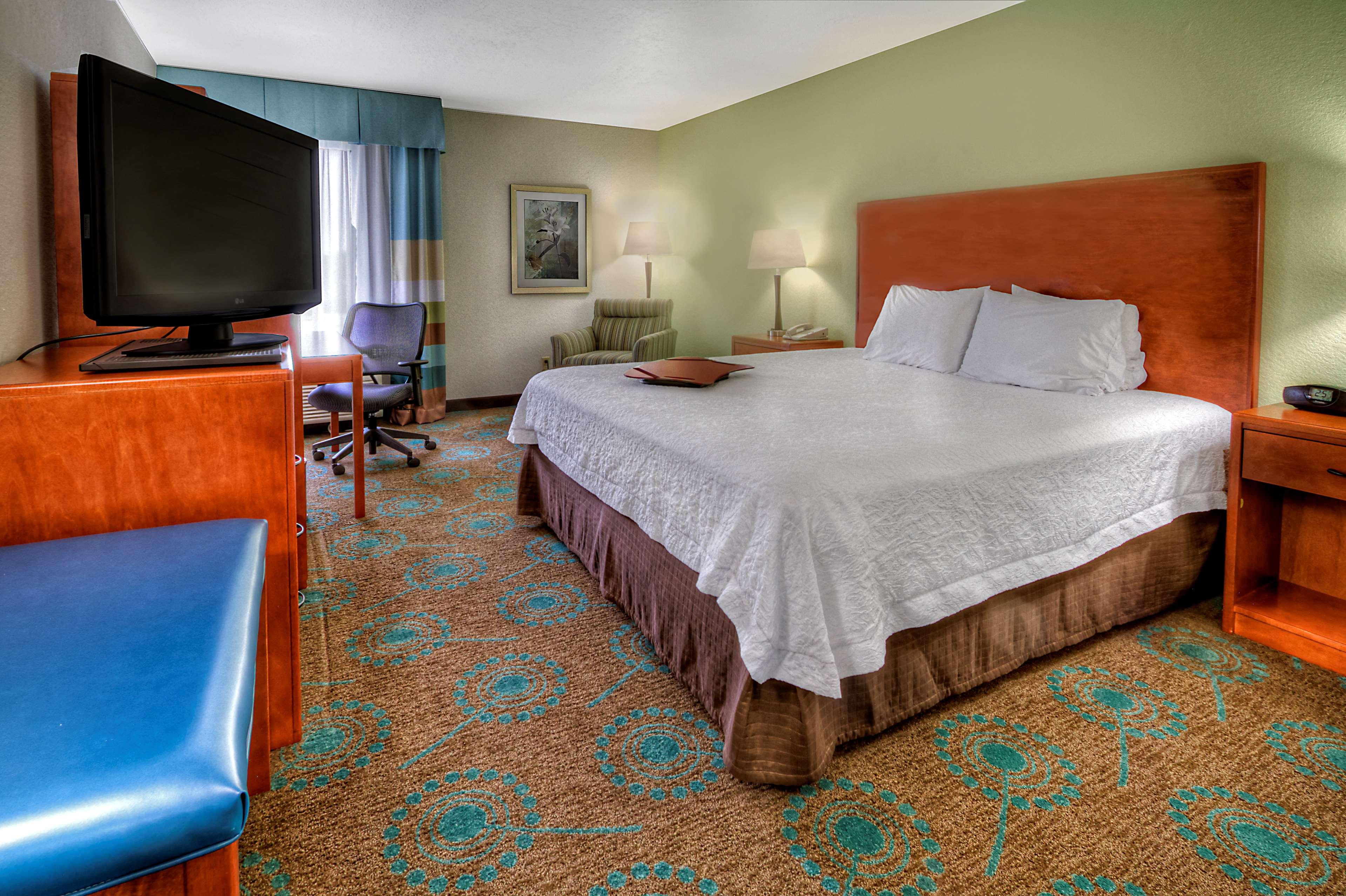 Hampton Inn Goldsboro image 35