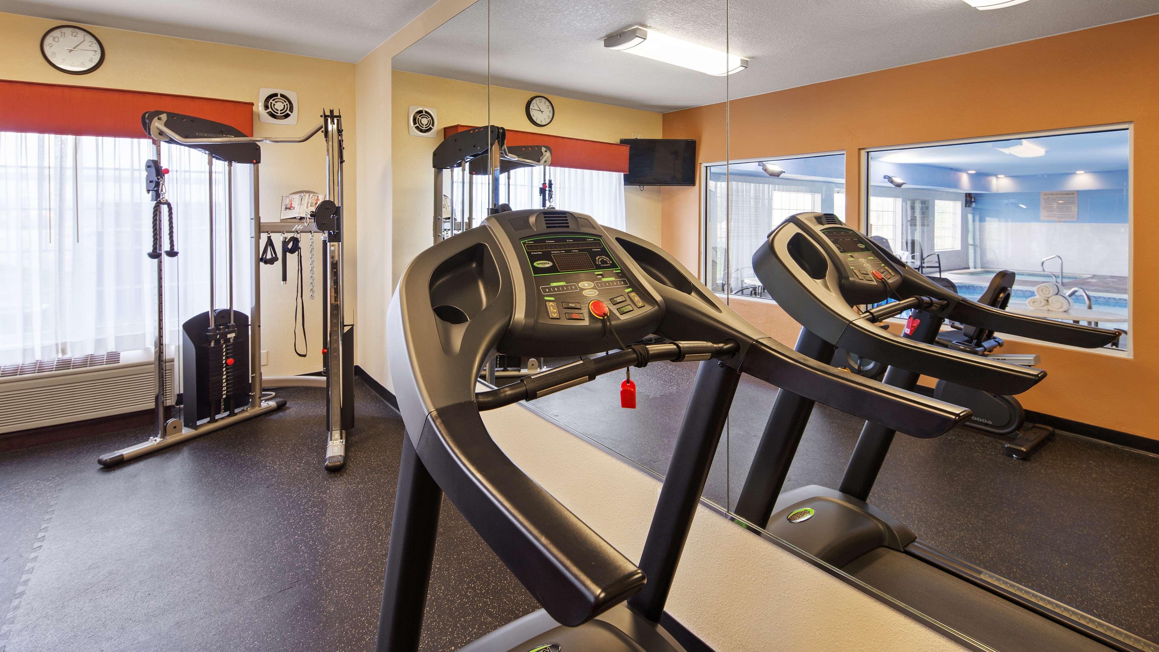 Best Western Plus Fort Wayne Inn & Suites North image 26