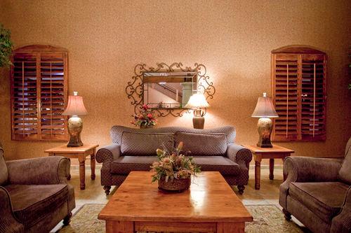 Holiday Inn Phoenix - Chandler - ad image