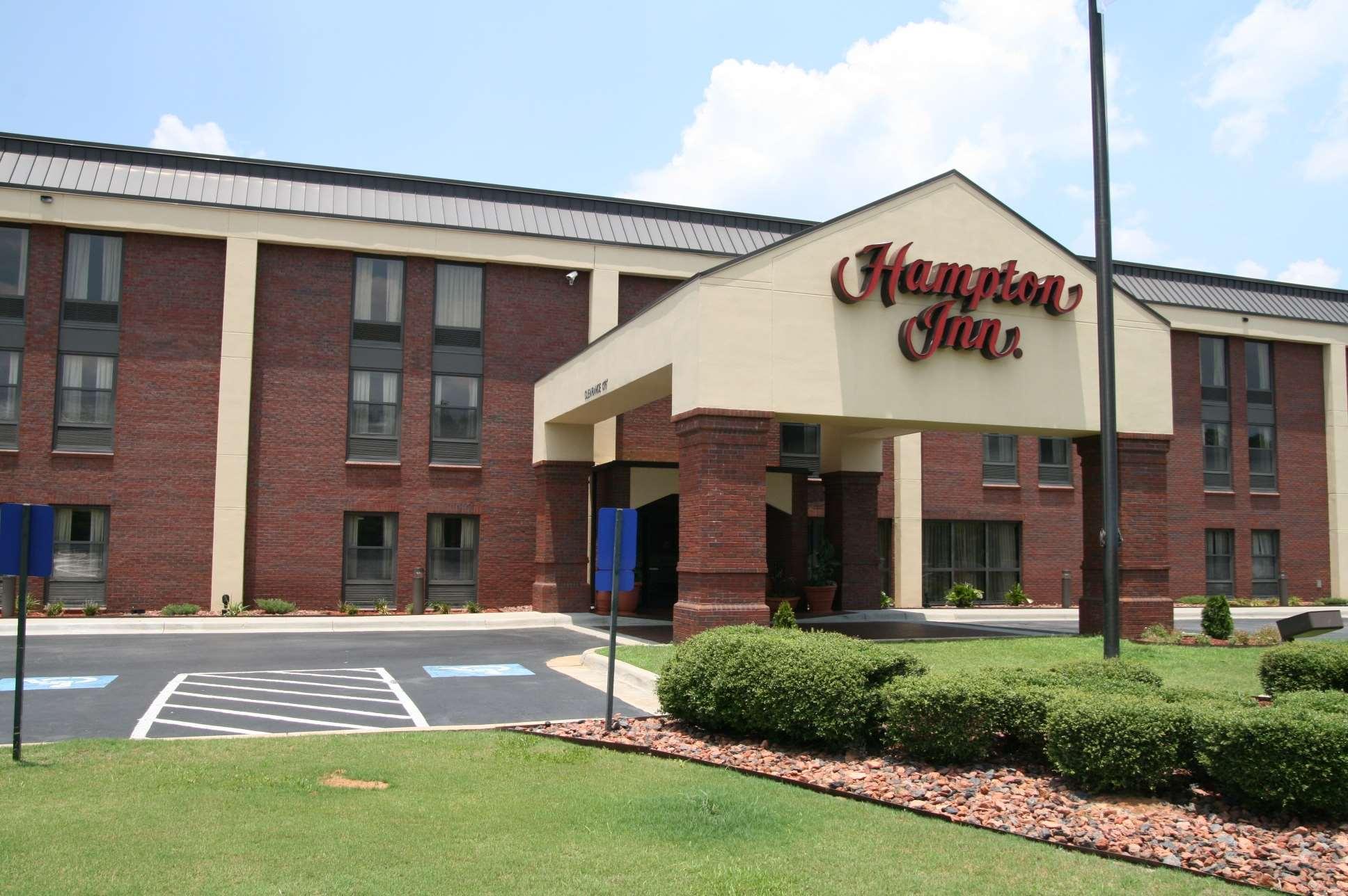 Hampton Inn Greenville image 0