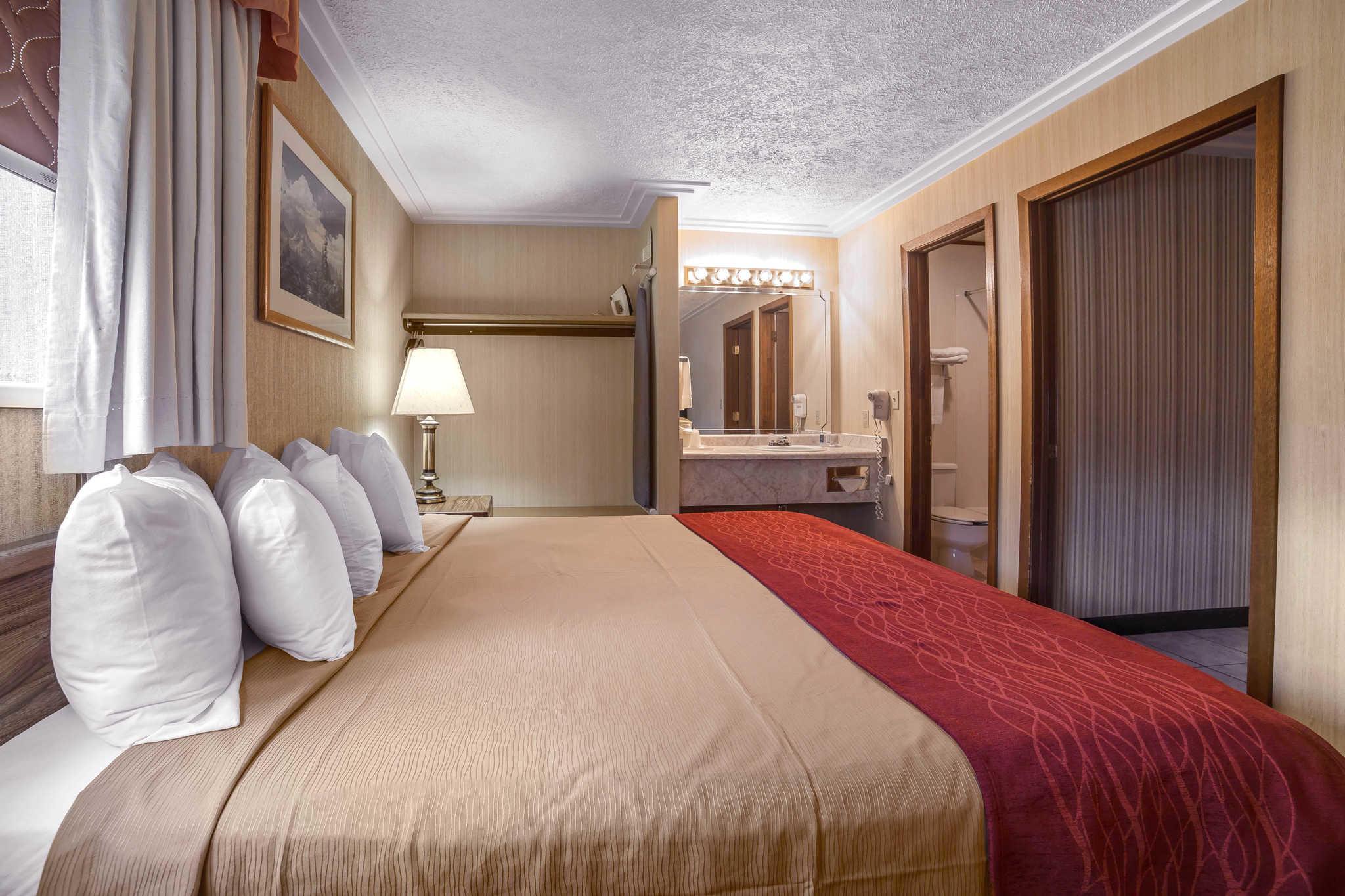 Rodeway Inn Pronghorn Lodge image 18