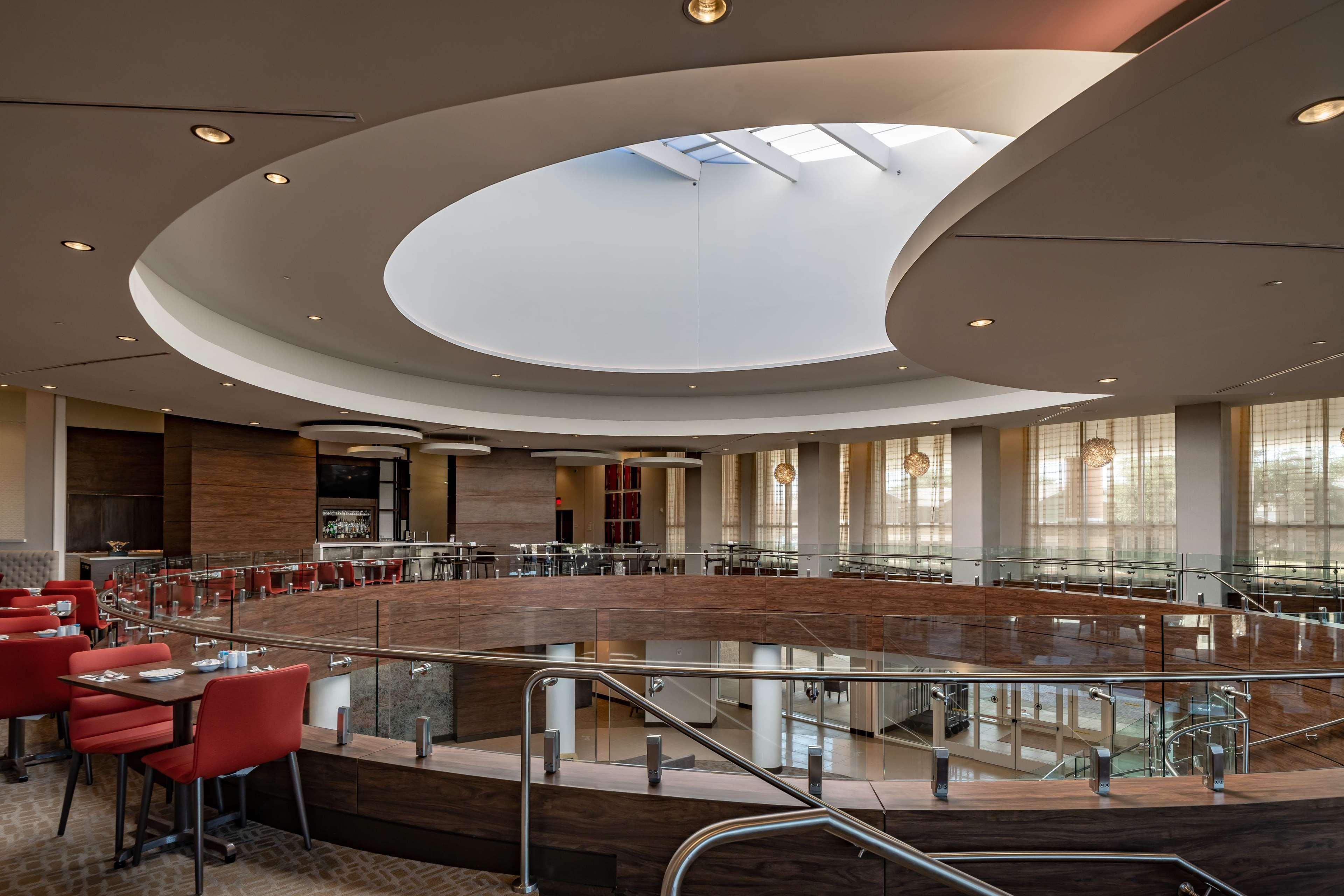Hilton Garden Inn Dallas at Hurst Conference Center image 6