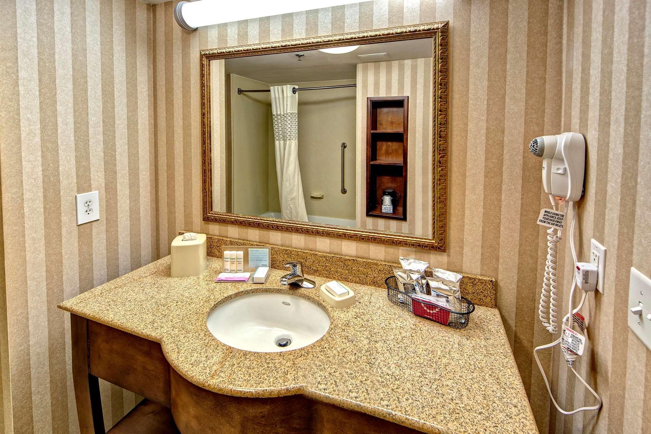 Hampton Inn & Suites Cashiers-Sapphire Valley image 22