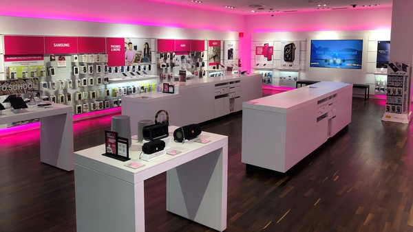 T Mobile Store At 718 Southcenter Mall Tukwila Wa T Mobile