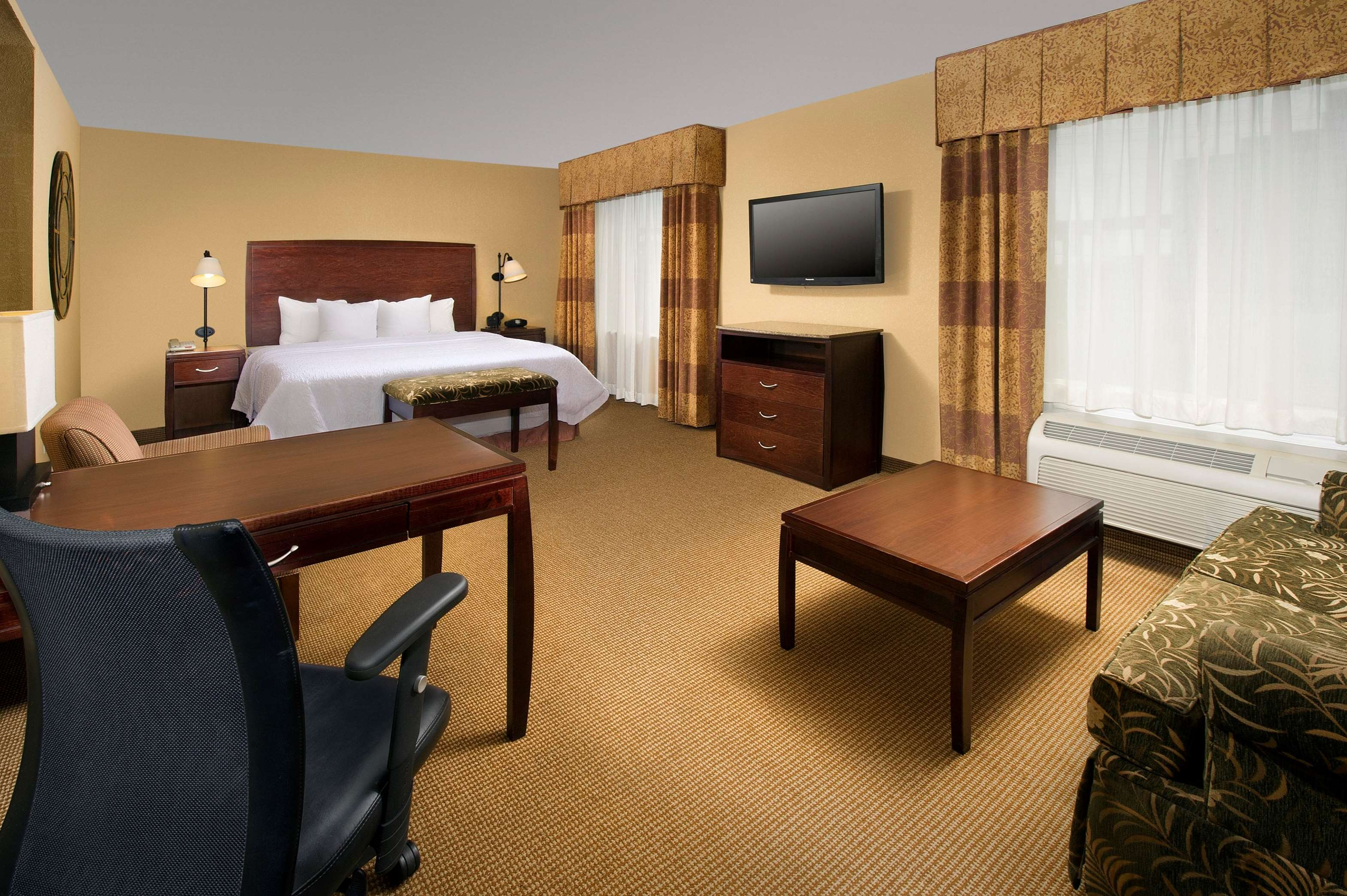 Hampton Inn & Suites San Antonio-Airport image 26