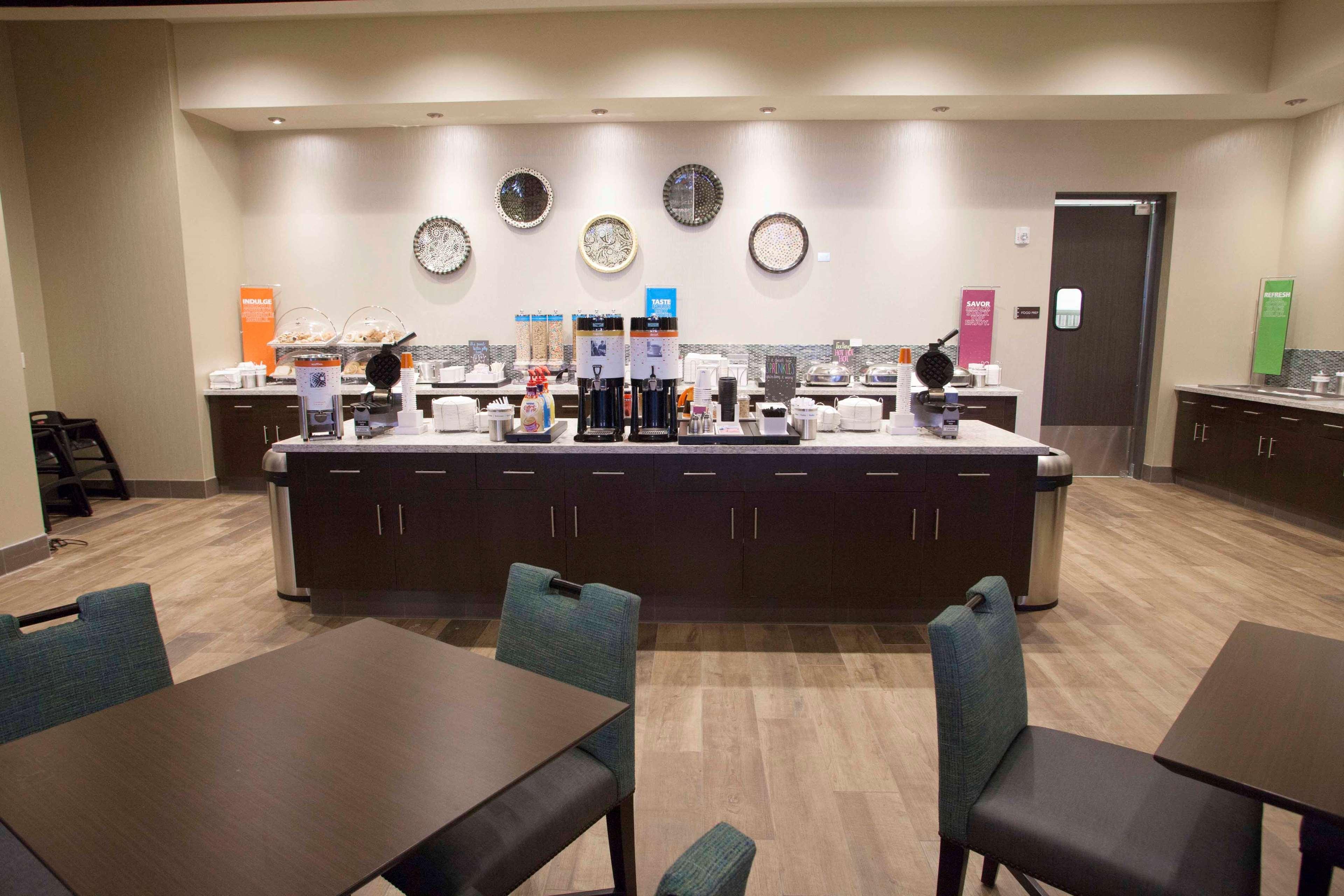 Hampton Inn & Suites Downtown St. Paul image 13