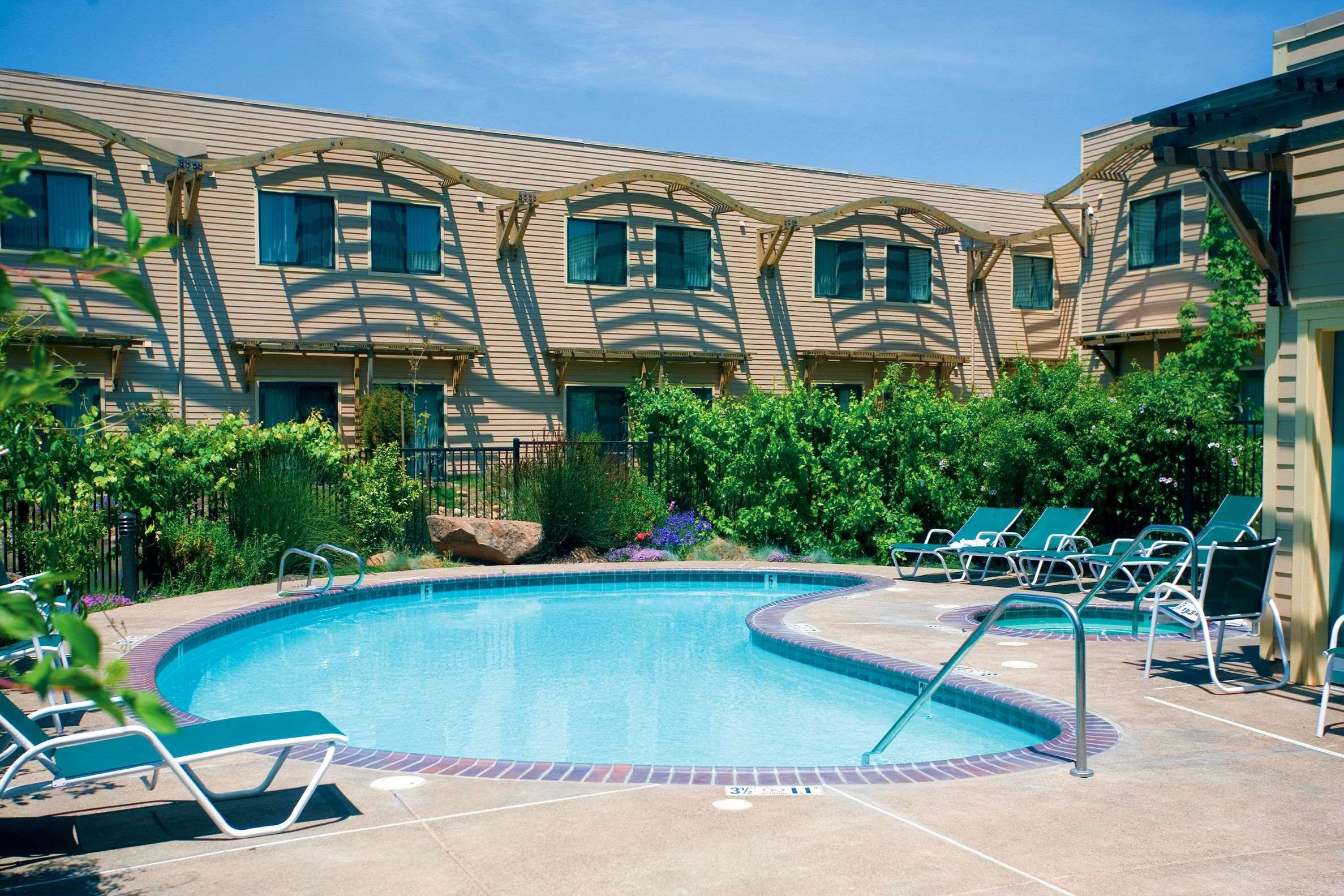 DoubleTree by Hilton Hotel & Spa Napa Valley - American Canyon image 3