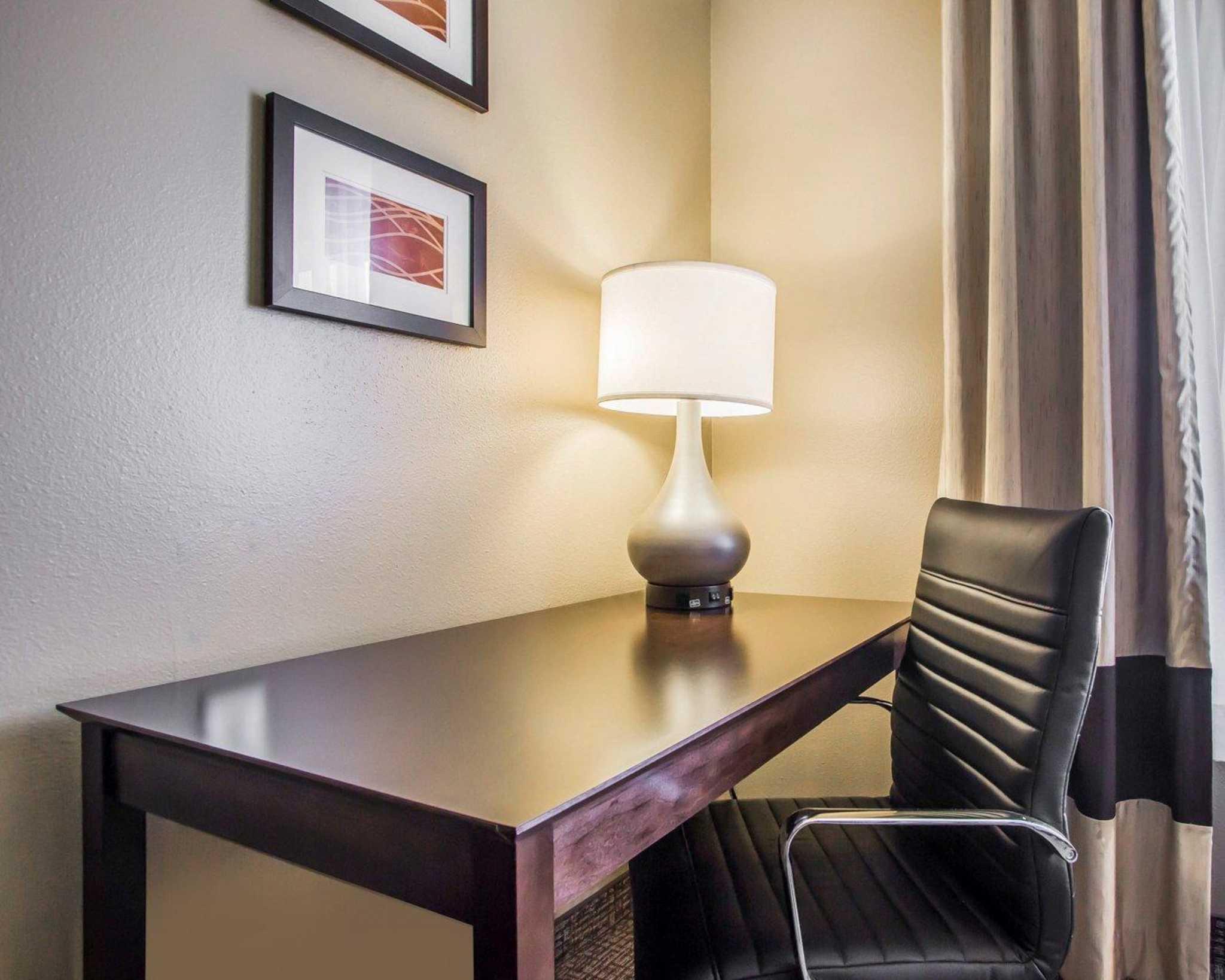Comfort Inn & Suites Waterloo – Cedar Falls image 8