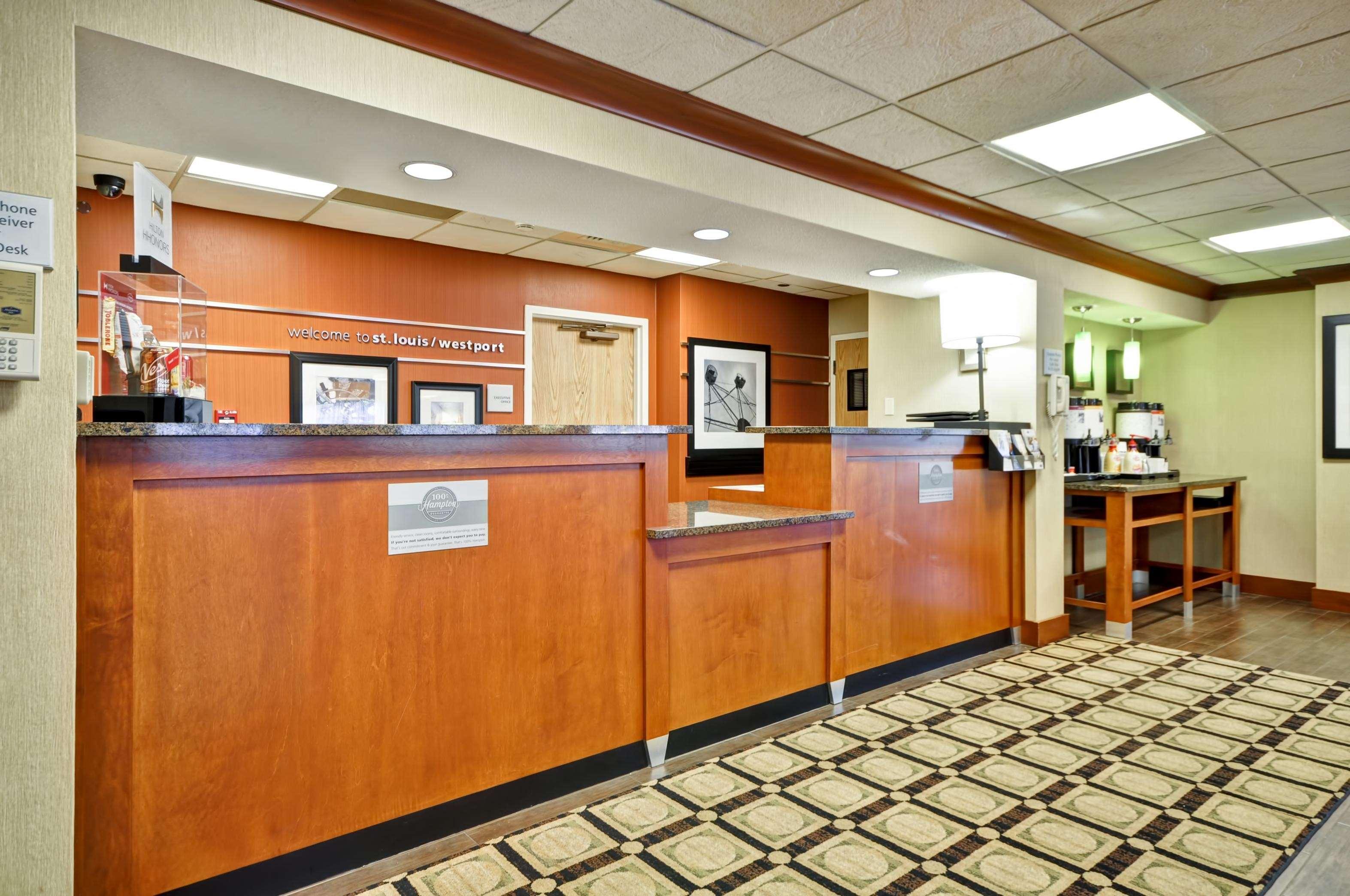 Hampton Inn St. Louis/Westport image 24