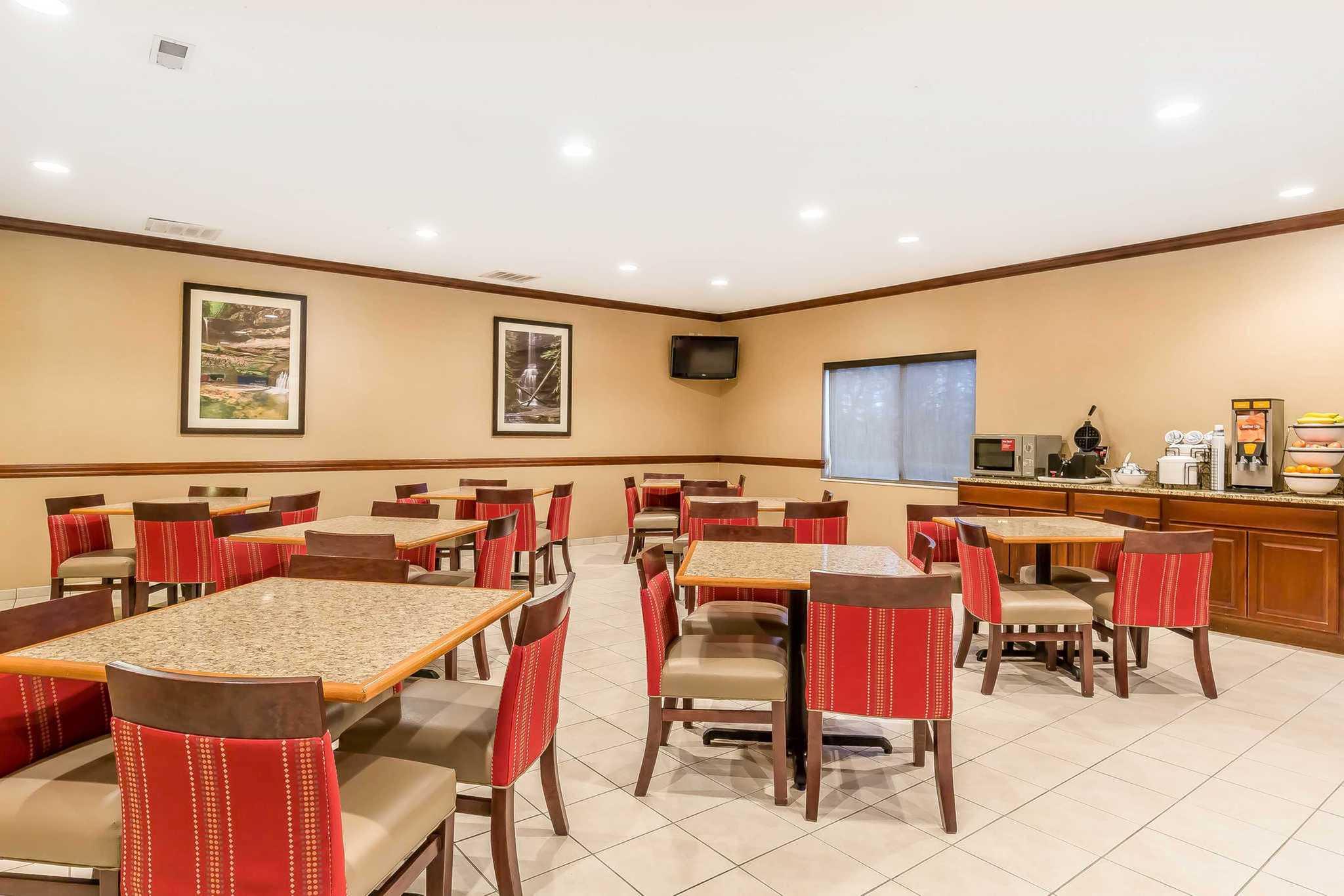 Comfort Inn & Suites image 31