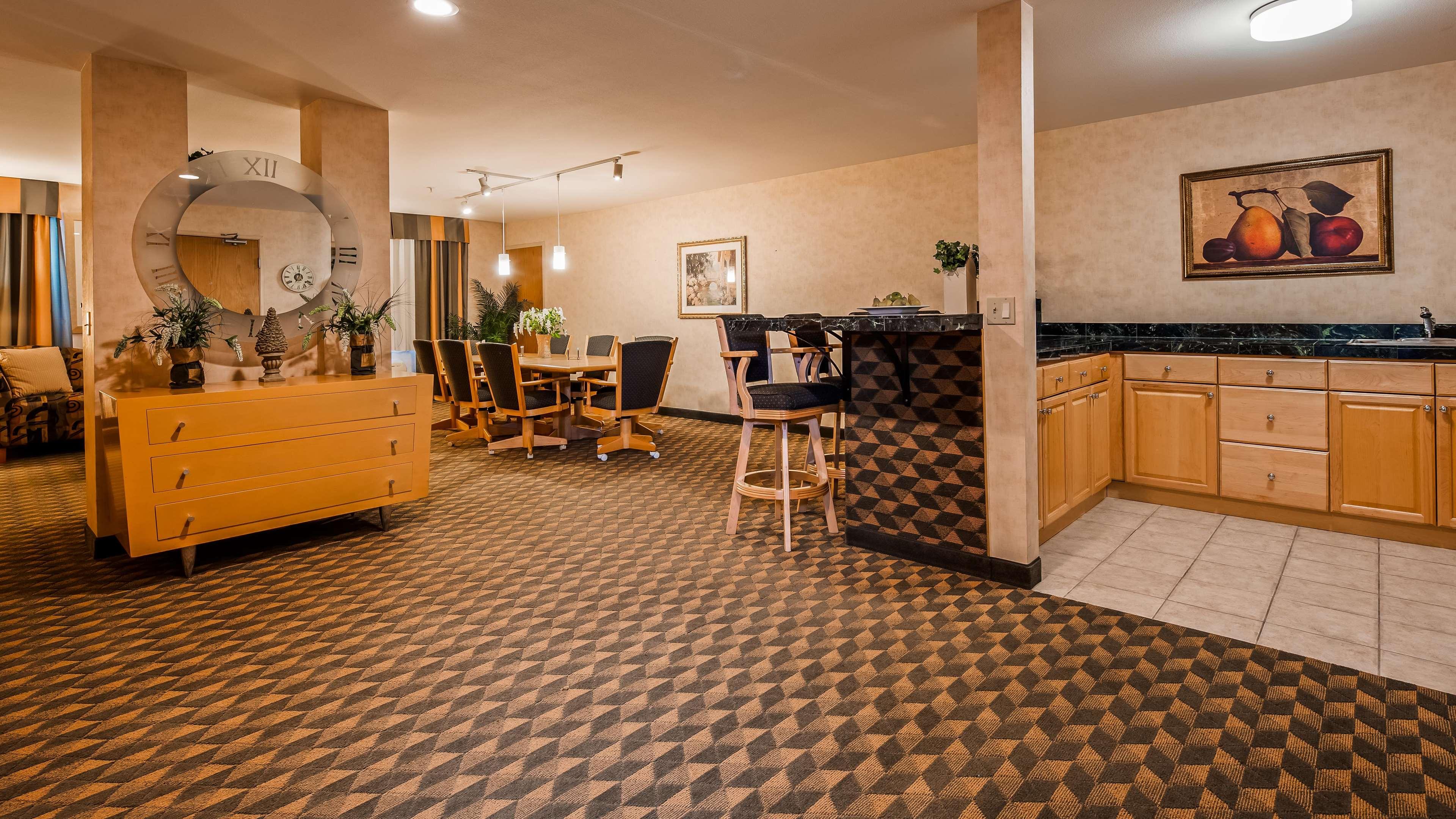 Best Western Plus North Las Vegas Inn & Suites image 13