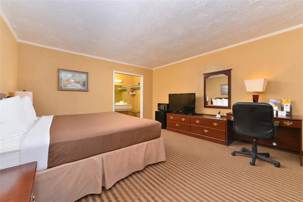 Americas Best Value Inn Elk City image 6