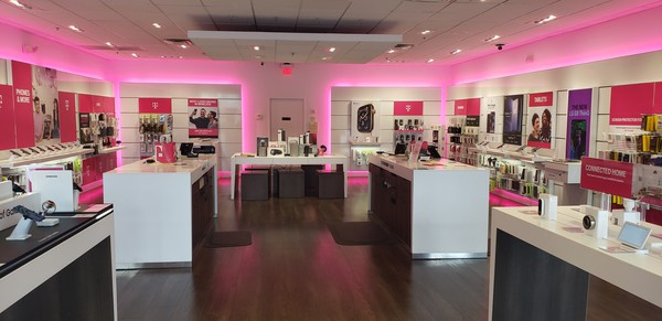 T Mobile Store At 2719 Gulf To Bay Blvd 1160 Clearwater Fl T