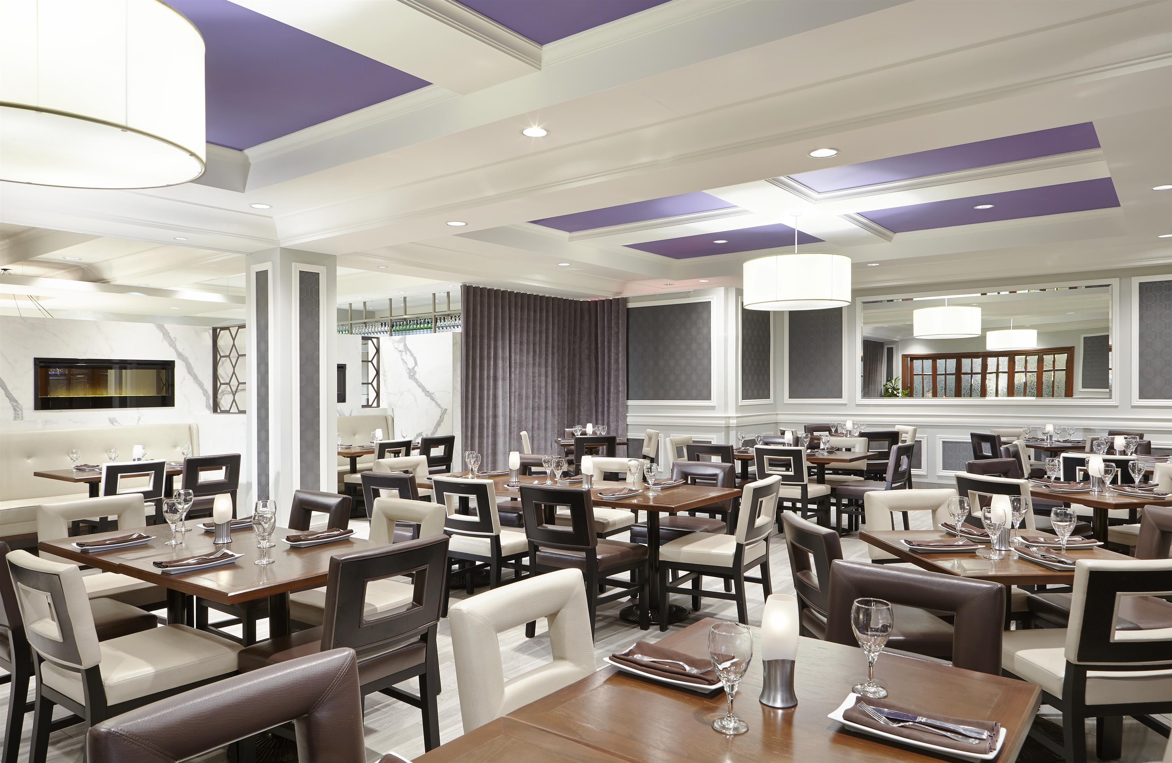 Sheraton Laval Hotel à Laval: Restaurant