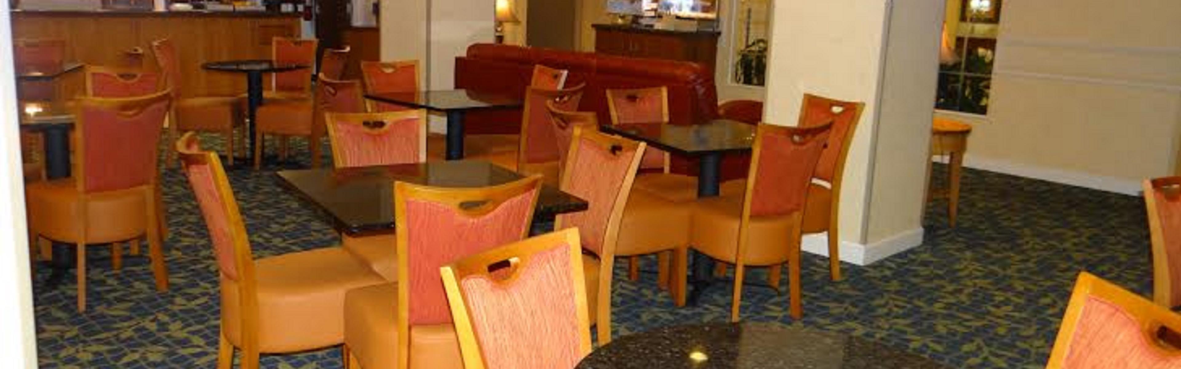 Holiday Inn Express Salisbury - Delmar image 3