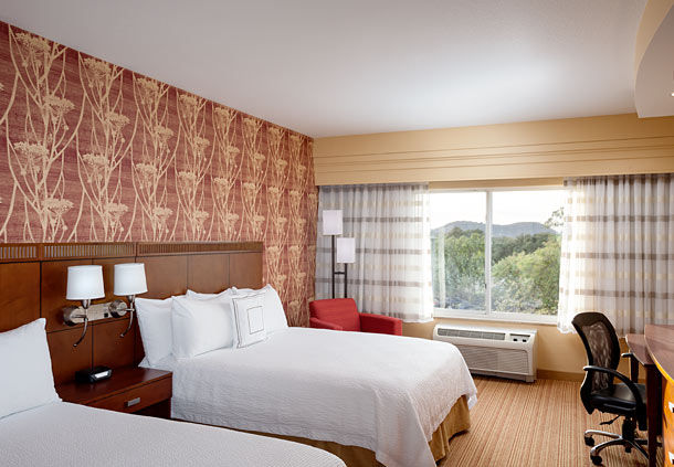 Courtyard by Marriott Ventura Simi Valley image 3