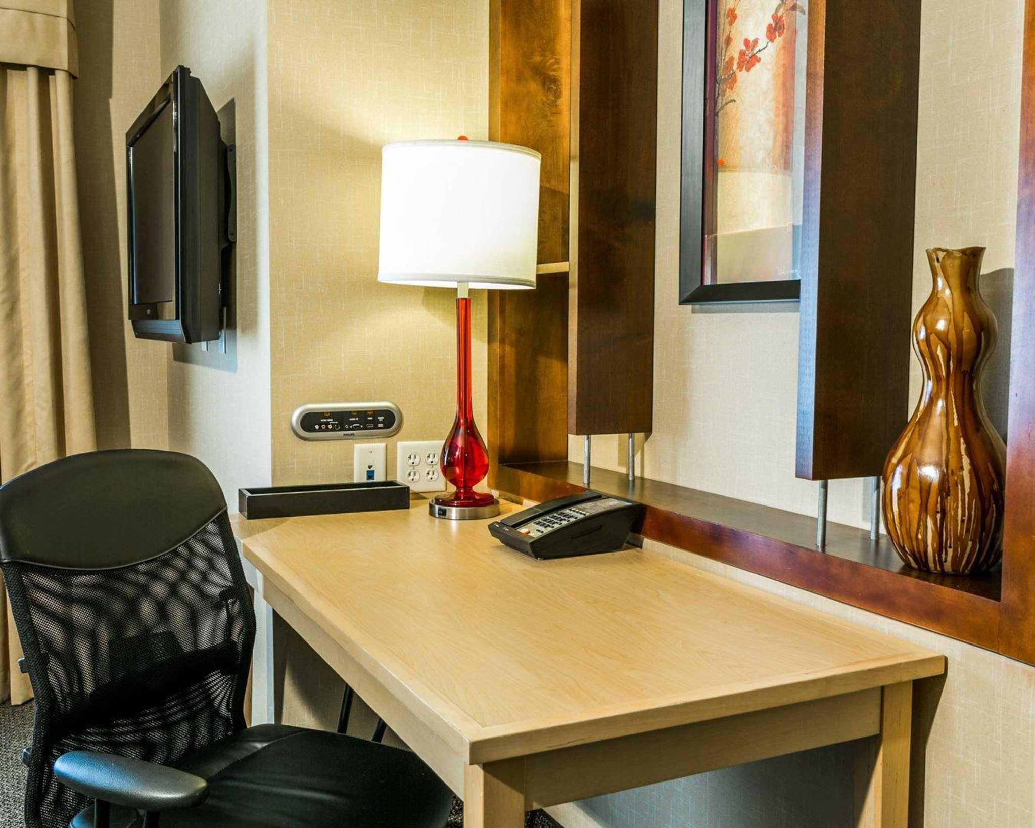 Cambria Hotel Denver International Airport image 21