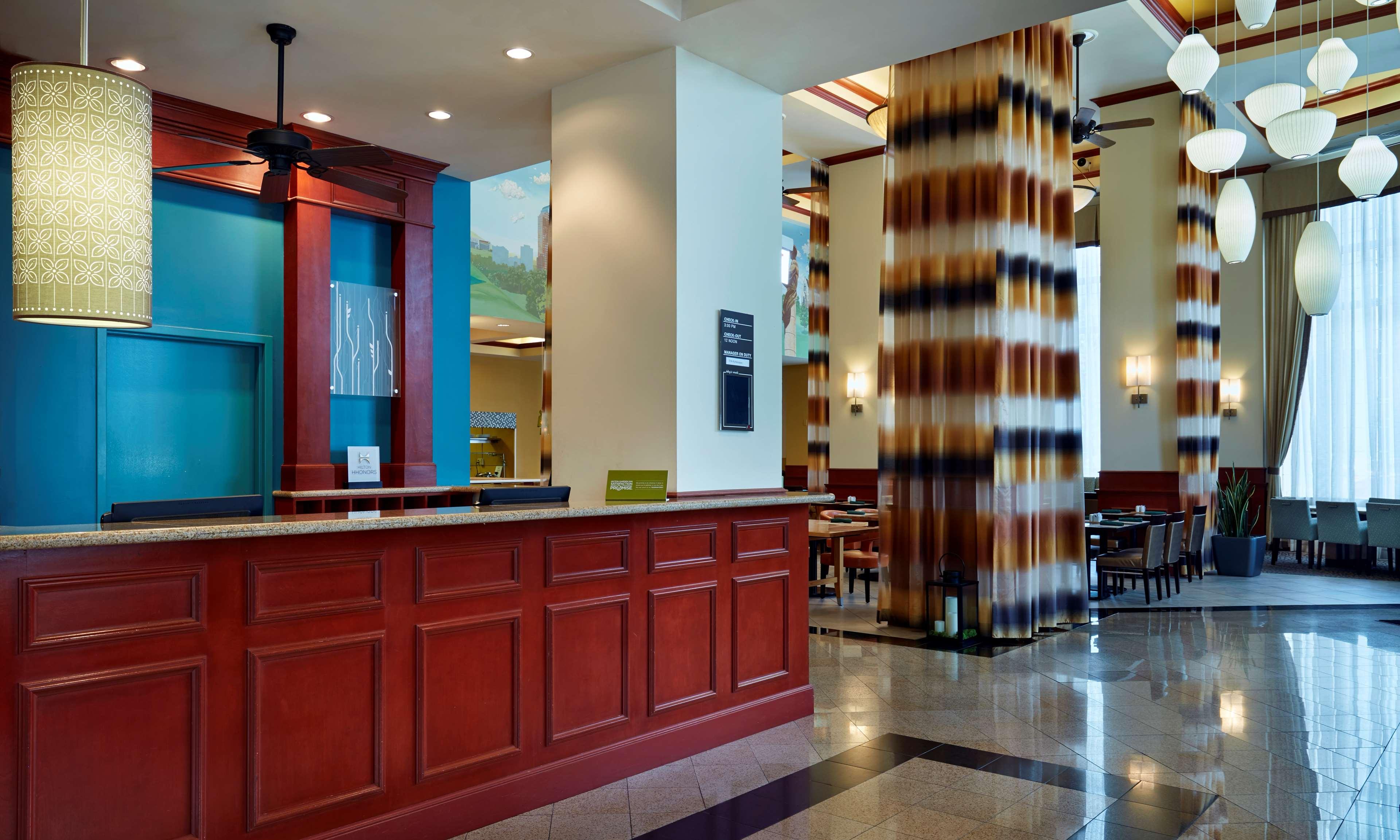 Hilton Garden Inn Charlotte Uptown image 3