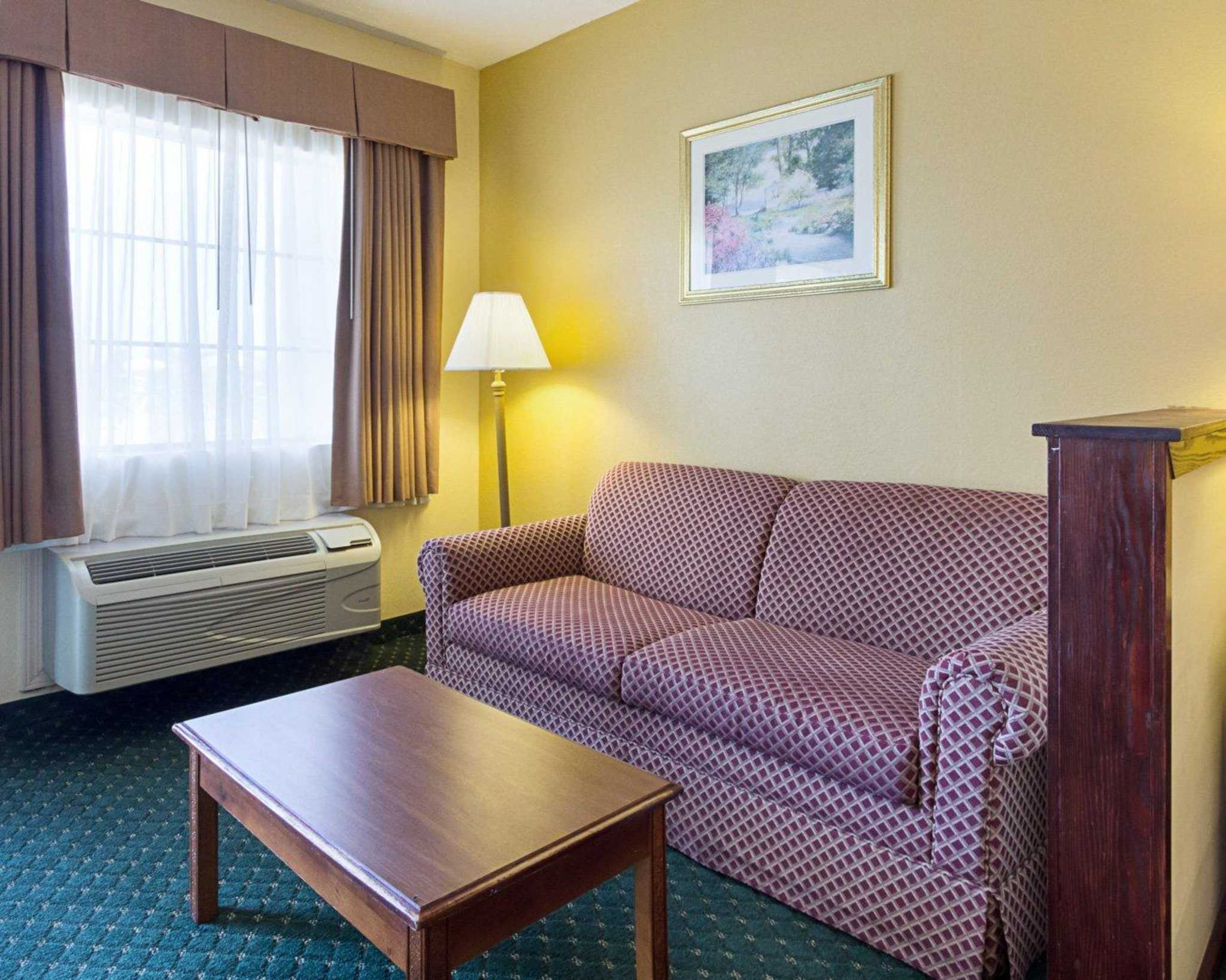 Quality Inn & Suites Southwest image 28