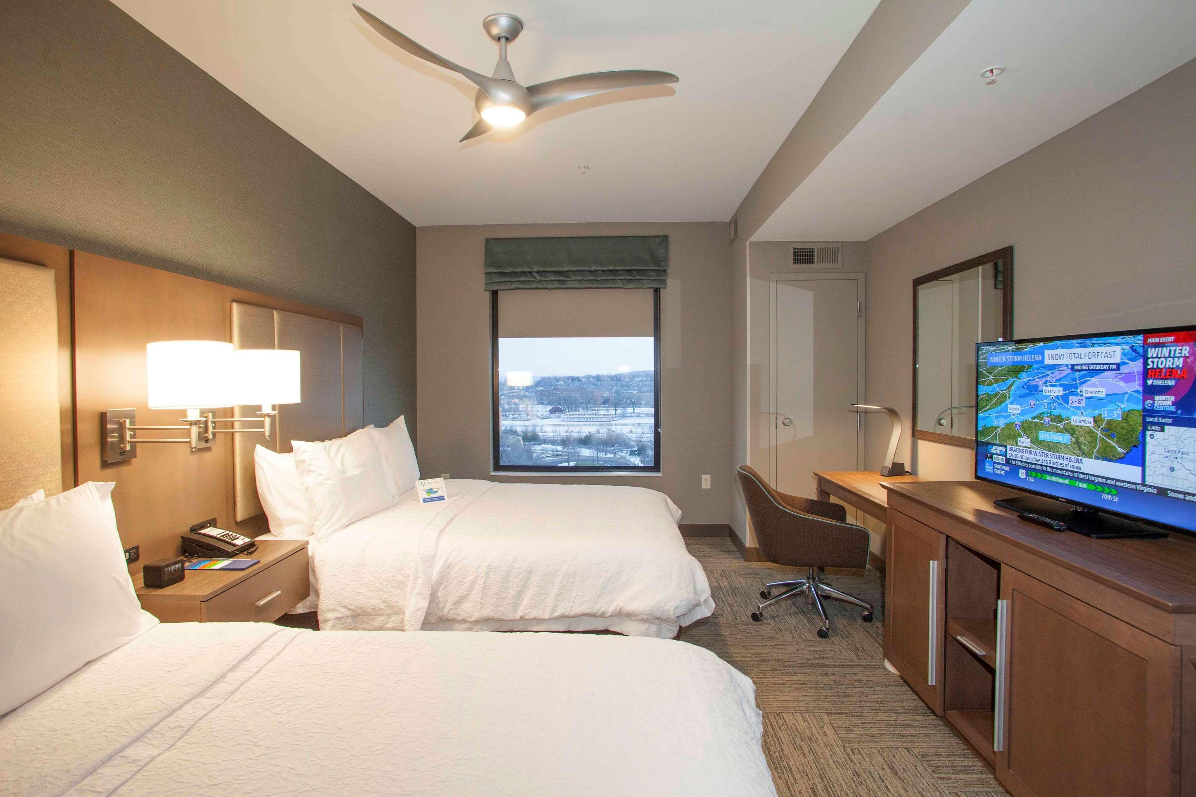 Hampton Inn & Suites Downtown St. Paul image 30
