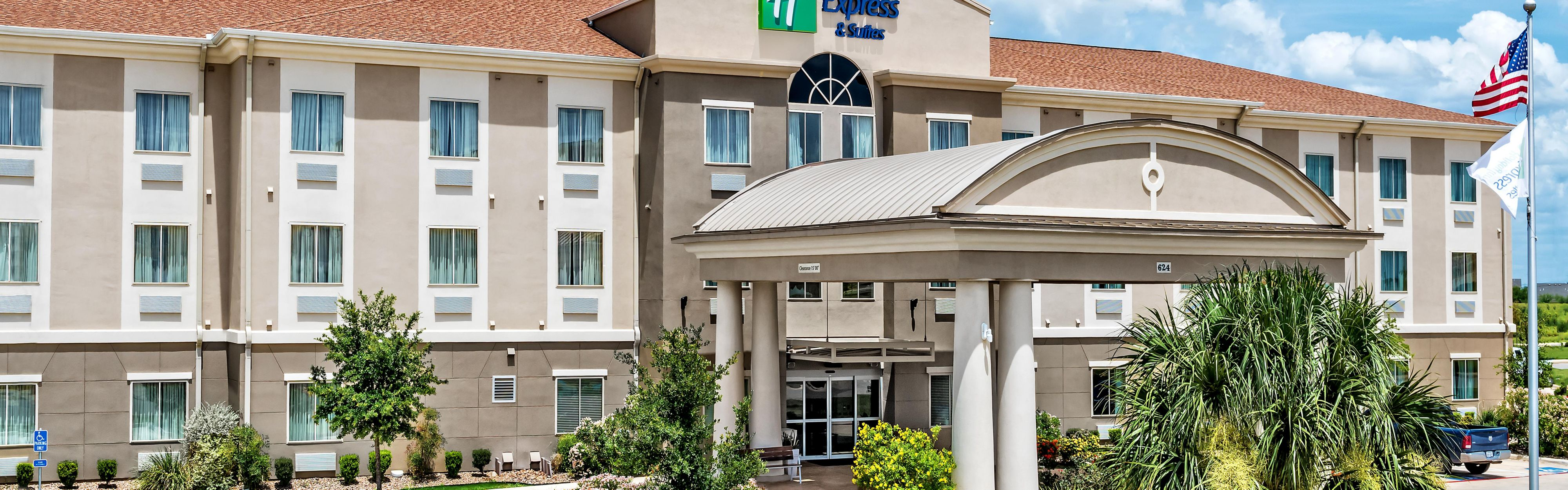 Holiday Inn Express & Suites Cotulla image 0