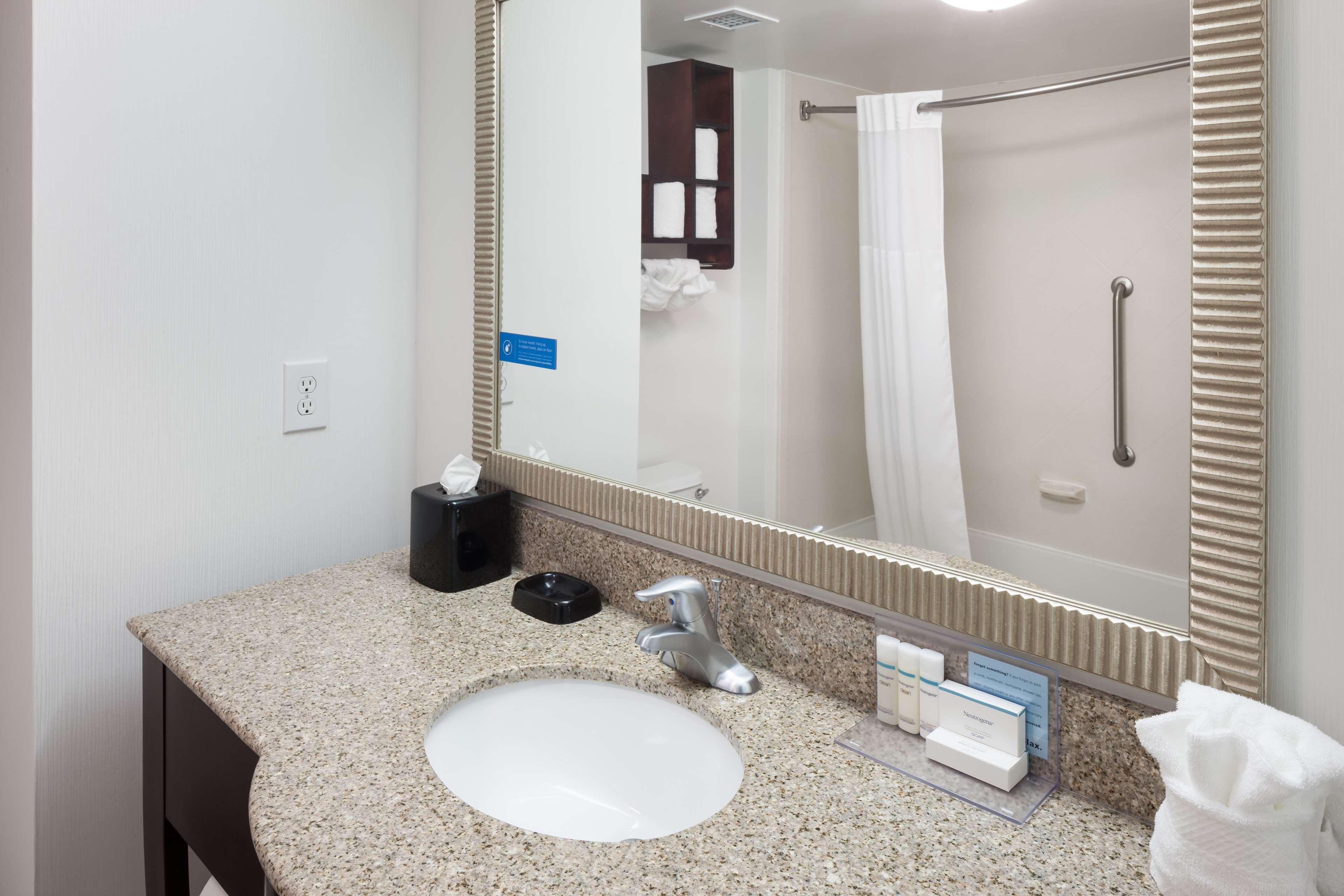 Hampton Inn & Suites Panama City Beach-Pier Park Area image 13
