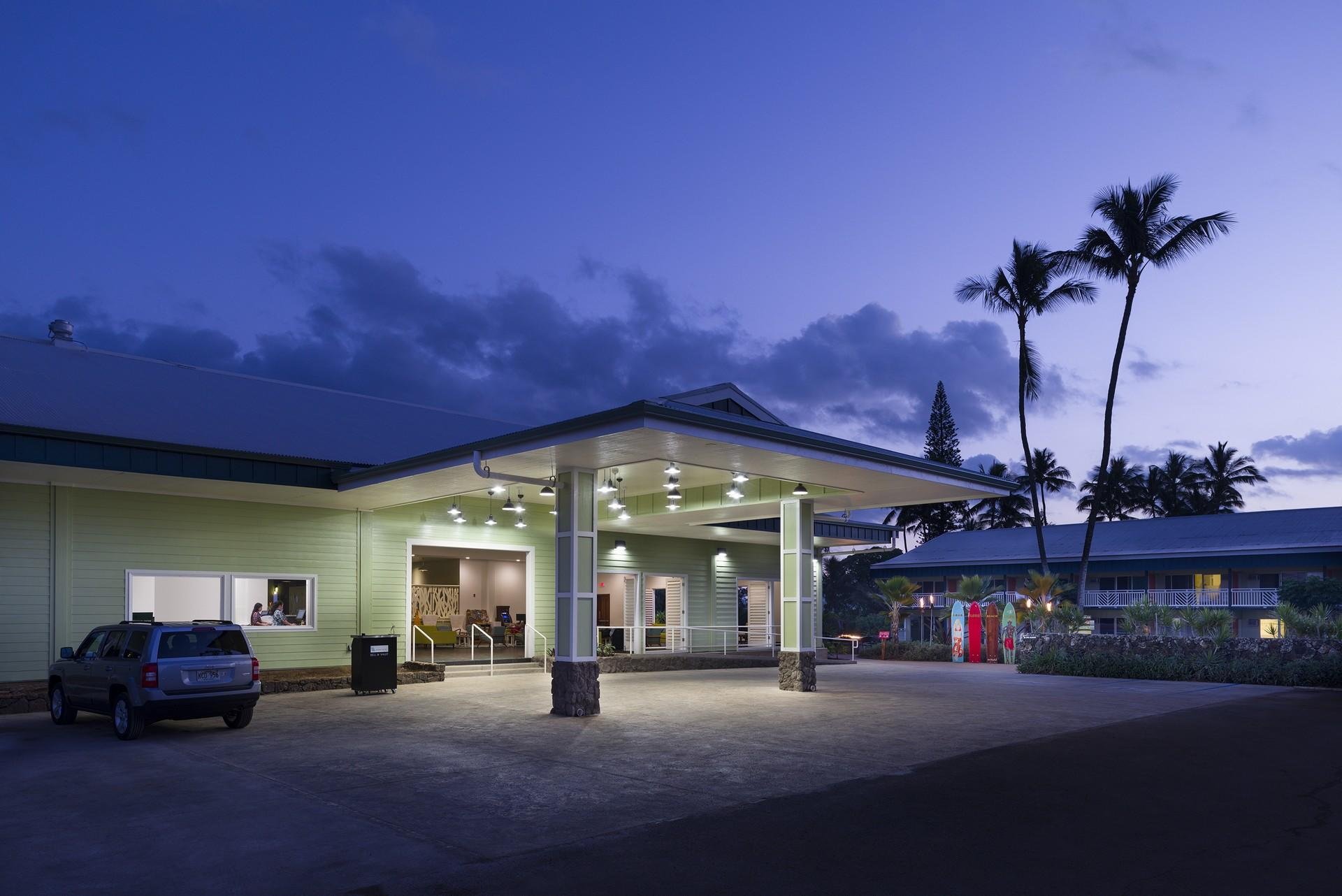 Kauai Shores Hotel image 0