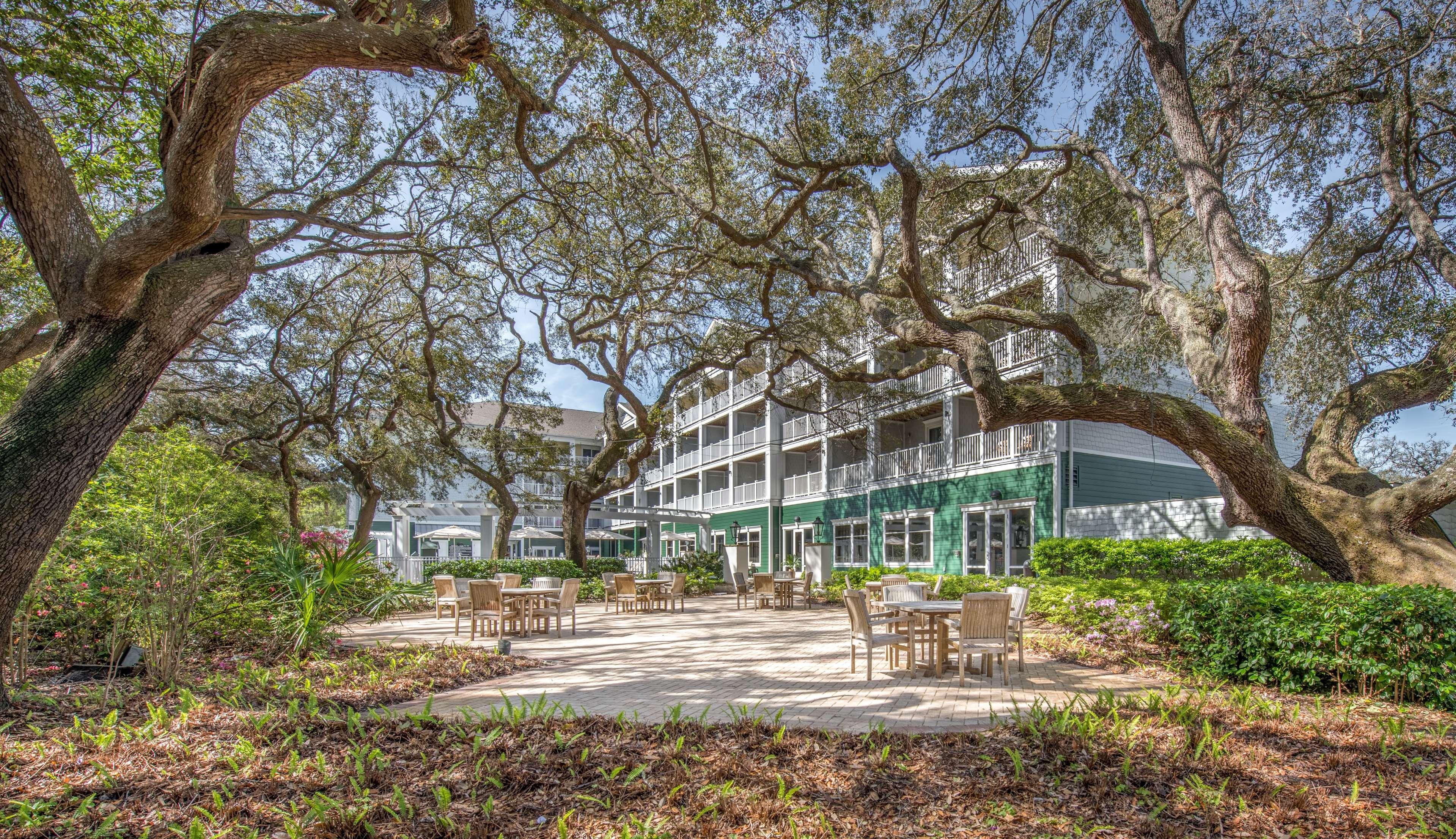 hampton inn suites jekyll island at 200 south beachview. Black Bedroom Furniture Sets. Home Design Ideas