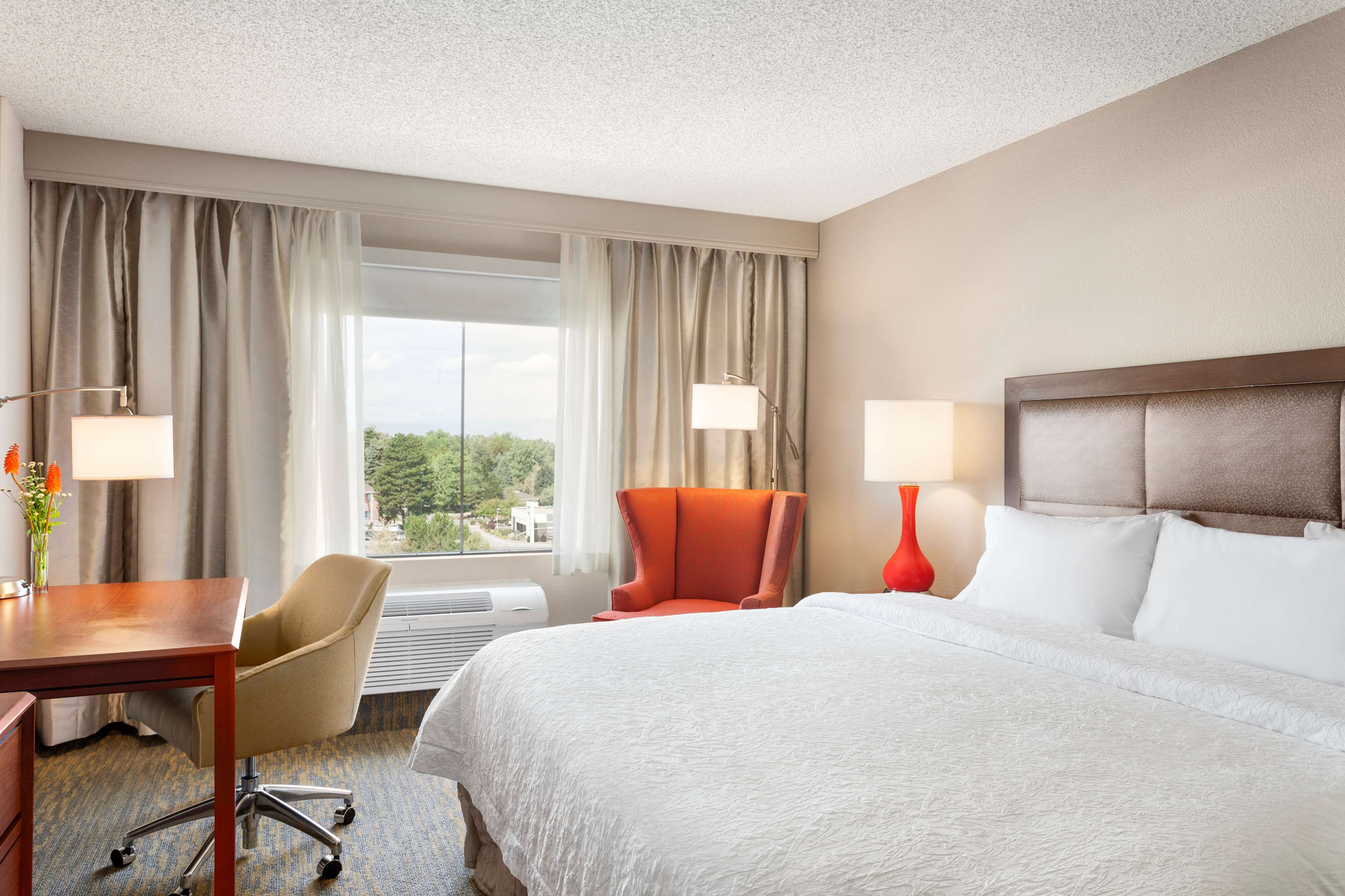 Hampton Inn & Suites Denver-Cherry Creek image 10