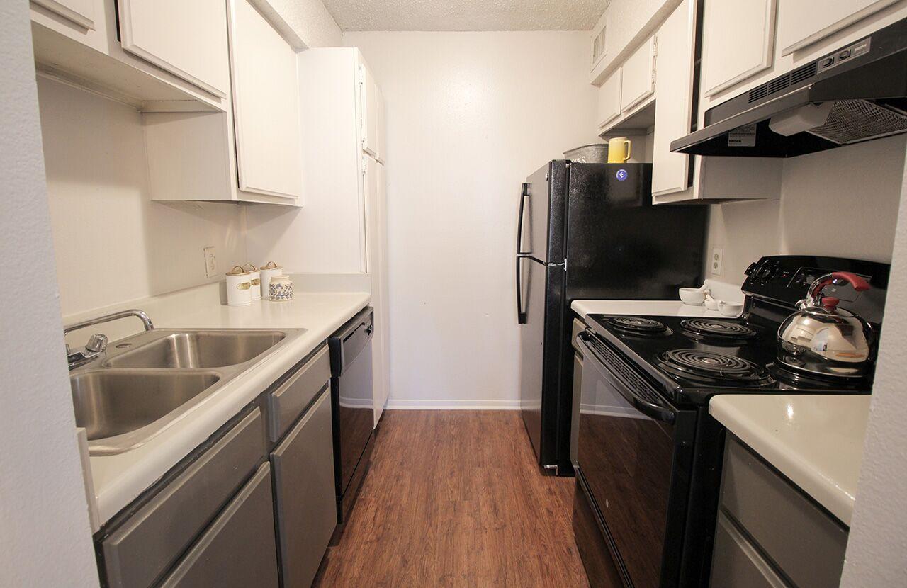 The Hub at Baton Rouge Apartment Homes image 36
