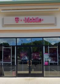 Exterior photo of T-Mobile Store at Kunia Shopping Center, Waipahu, HI