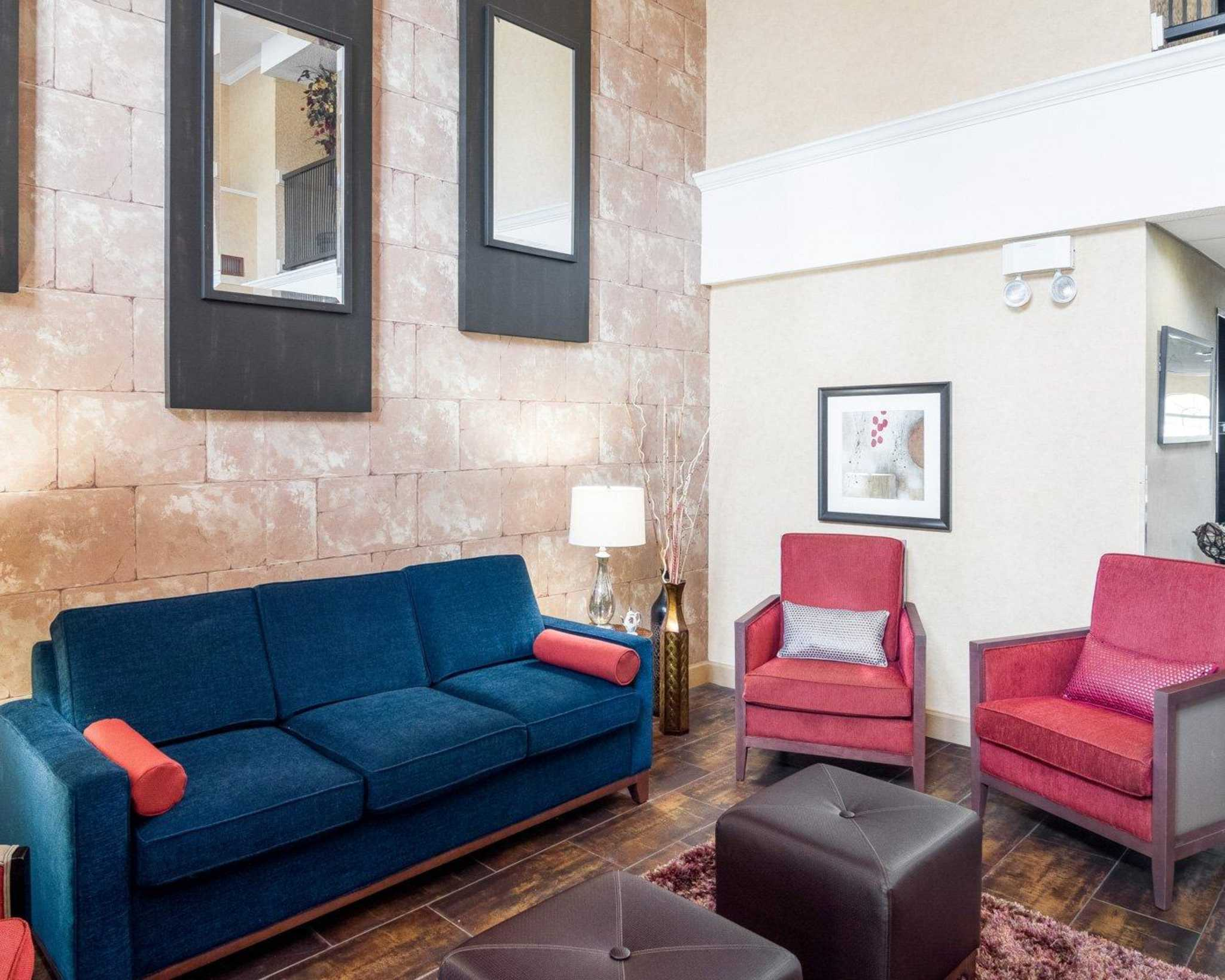 Comfort Suites Las Colinas Center image 8