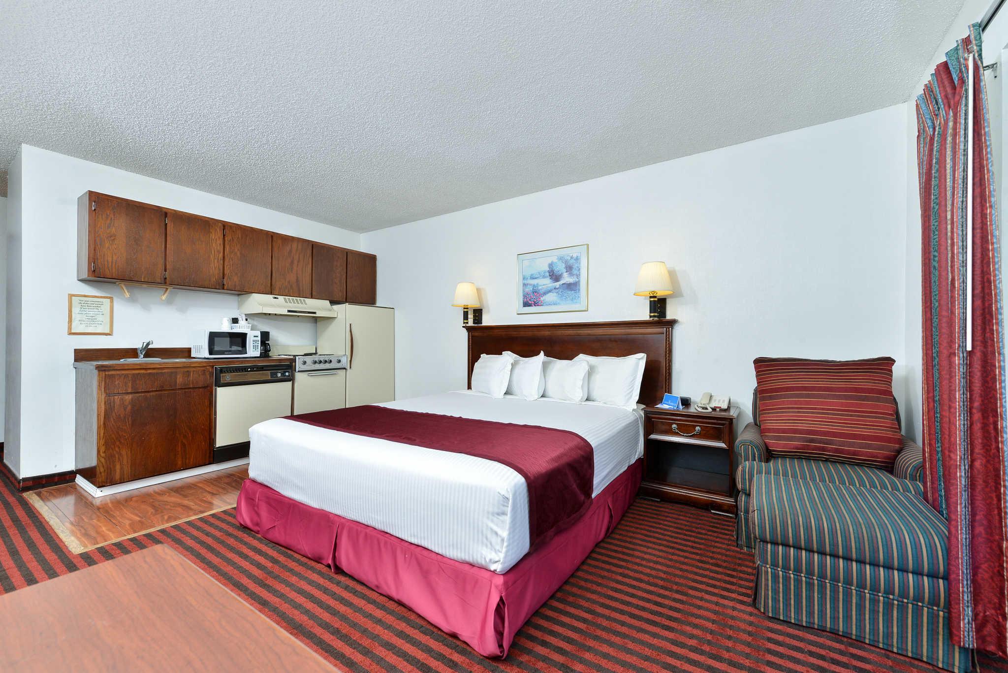 Rodeway Inn & Suites - Closed image 11